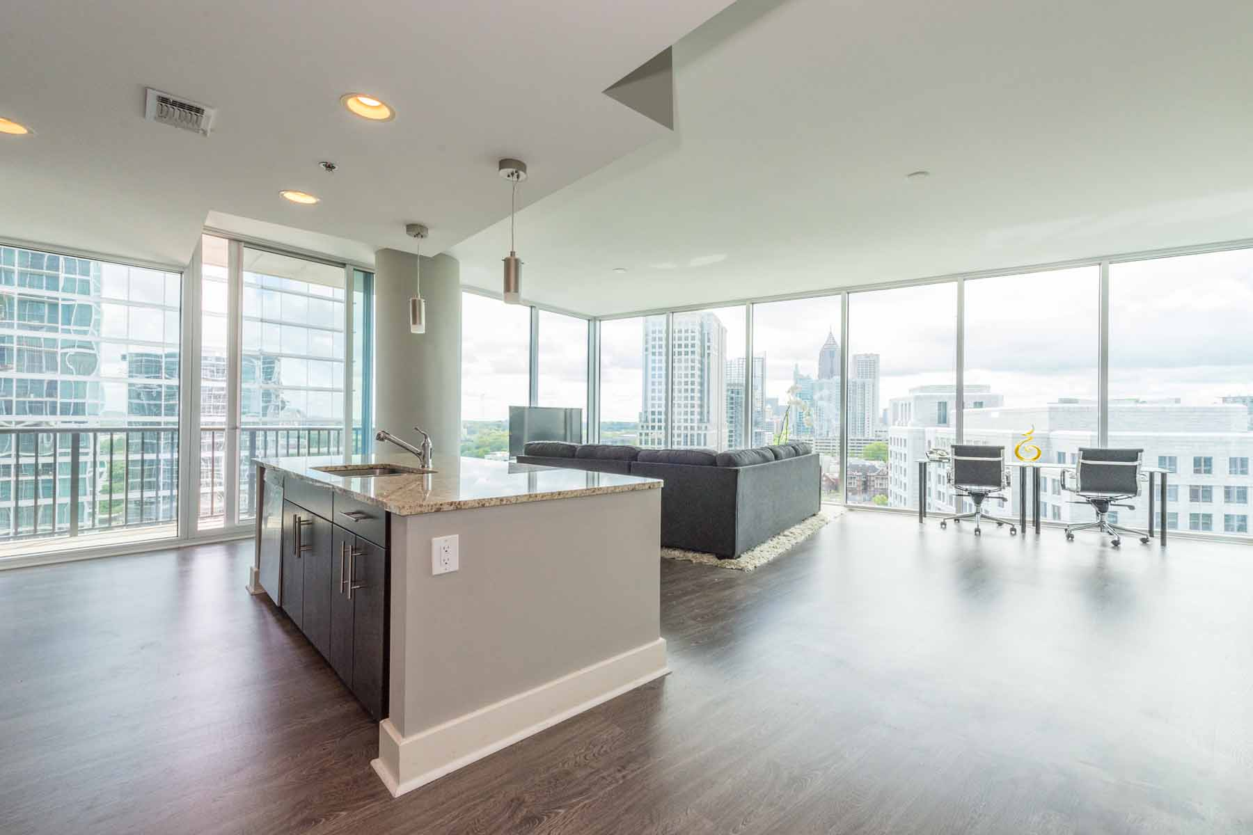 Condominium for Sale at Extraordinary 2/2 offers luxury and city living at its finest! 1080 Peachtree Street NE Unit #1610 Atlanta, Georgia, 30309 United States