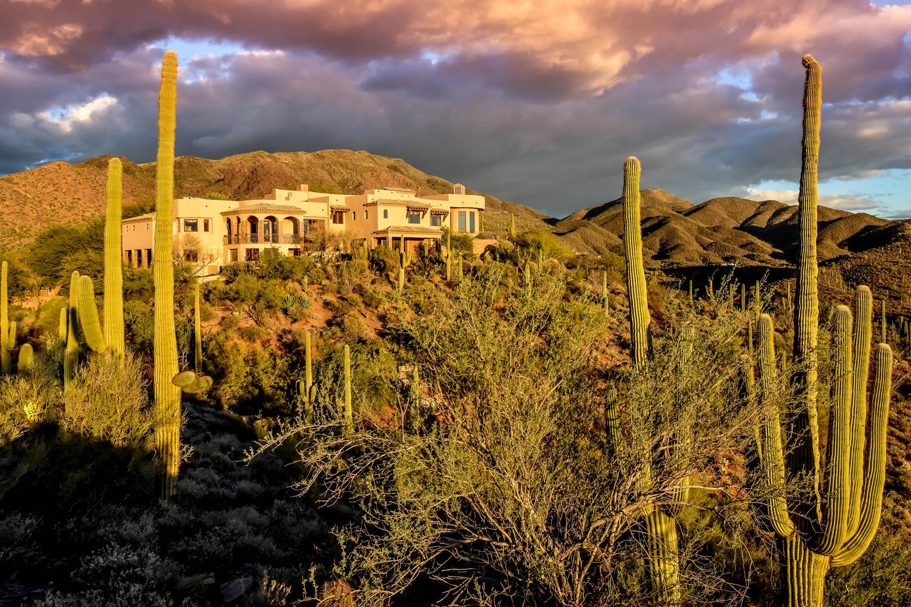 Casa Unifamiliar por un Venta en Phoenix area's most secluded and private gated mountaintop estate 42820 N Fleming Springs Rd Cave Creek, Arizona 85331 Estados Unidos