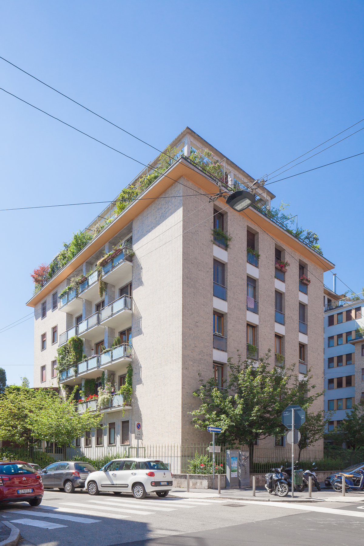 sales property at Bright apartment in exclusive residential neighbourhood