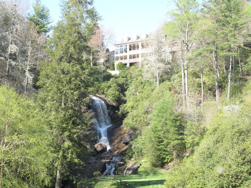 Casa para uma família para Venda às 116 Falls Court Highlands, Carolina Do Norte 28741 Estados Unidos