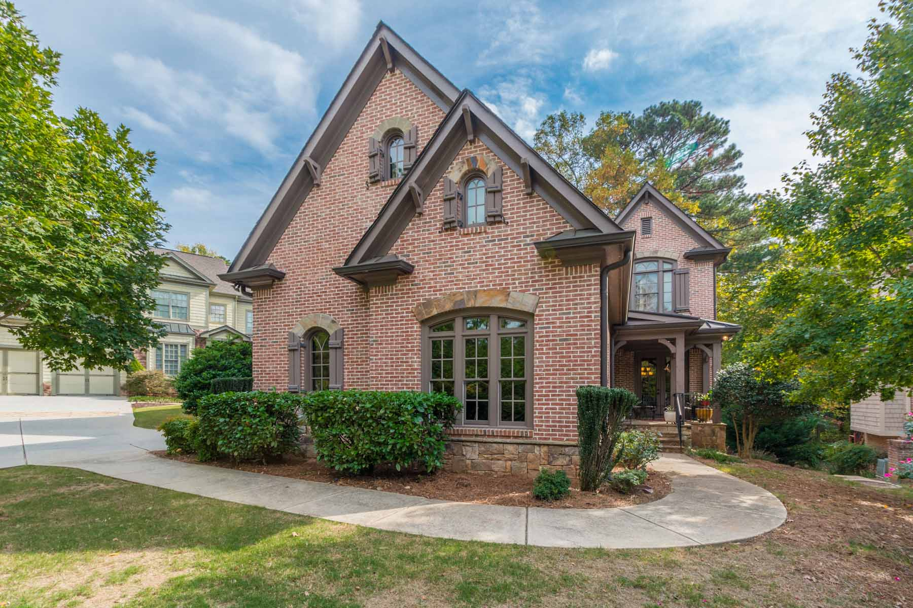 단독 가정 주택 용 매매 에 Stunning Brick Home In Windward On Golf Course Lot 6303 Windward Parkway Alpharetta, 조지아, 30005 미국
