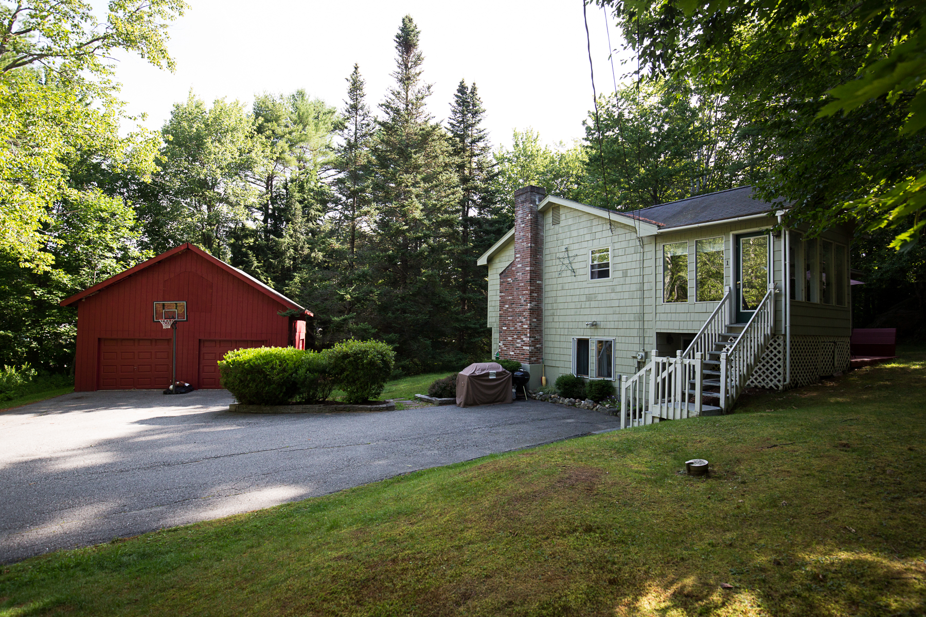 Single Family Home for Sale at 1 Pettengil Freeport, Maine 04032 United States