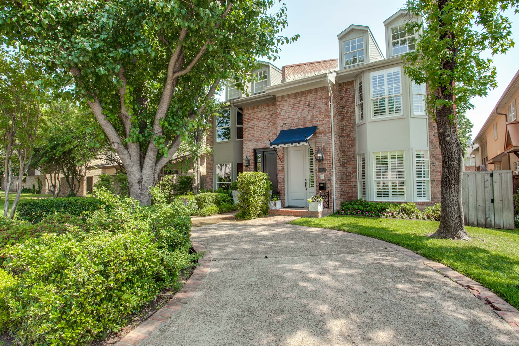 Single Family Home for Sale at Light, Bright University Park Single Family Attached 3423 Asbury Street Dallas, Texas, 75205 United States
