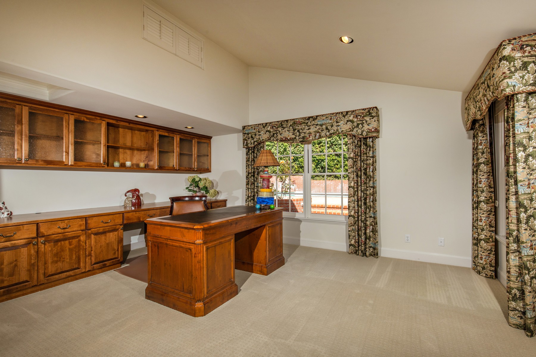 Additional photo for property listing at 6325 Muirlands Drive  La Jolla, Californie 92037 États-Unis