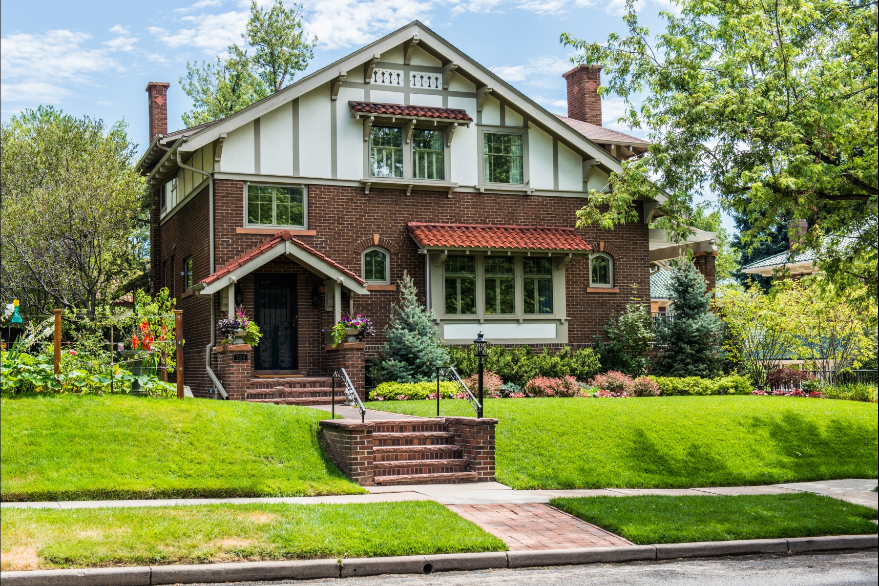 Single Family Home for Sale at Charming Historic Home just off 7th Avenue Parkway 724 Gaylord Street Denver, Colorado 80206 United States