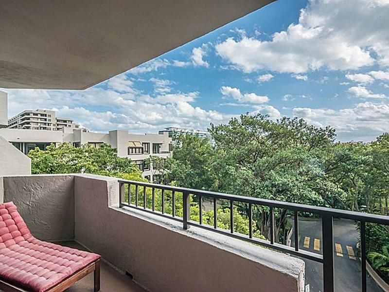 Nhà chung cư vì Bán tại 181 Crandon Blvd Unit 407 Key Biscayne, Florida 33149 Hoa Kỳ