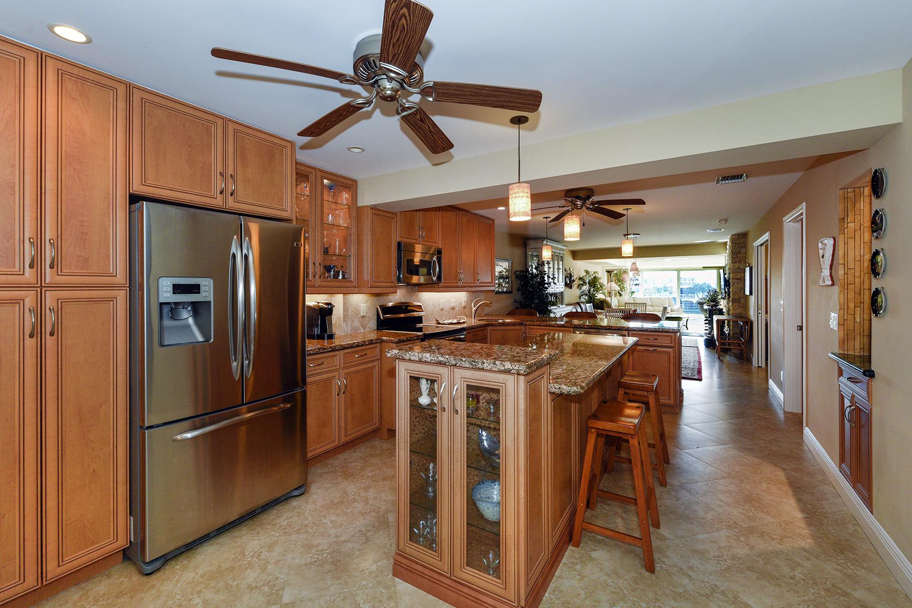 콘도미니엄 용 매매 에 Waterfront Condominium at Ocean Reef 59 Anchor Drive, Unit B Key Largo, 플로리다, 33037 미국