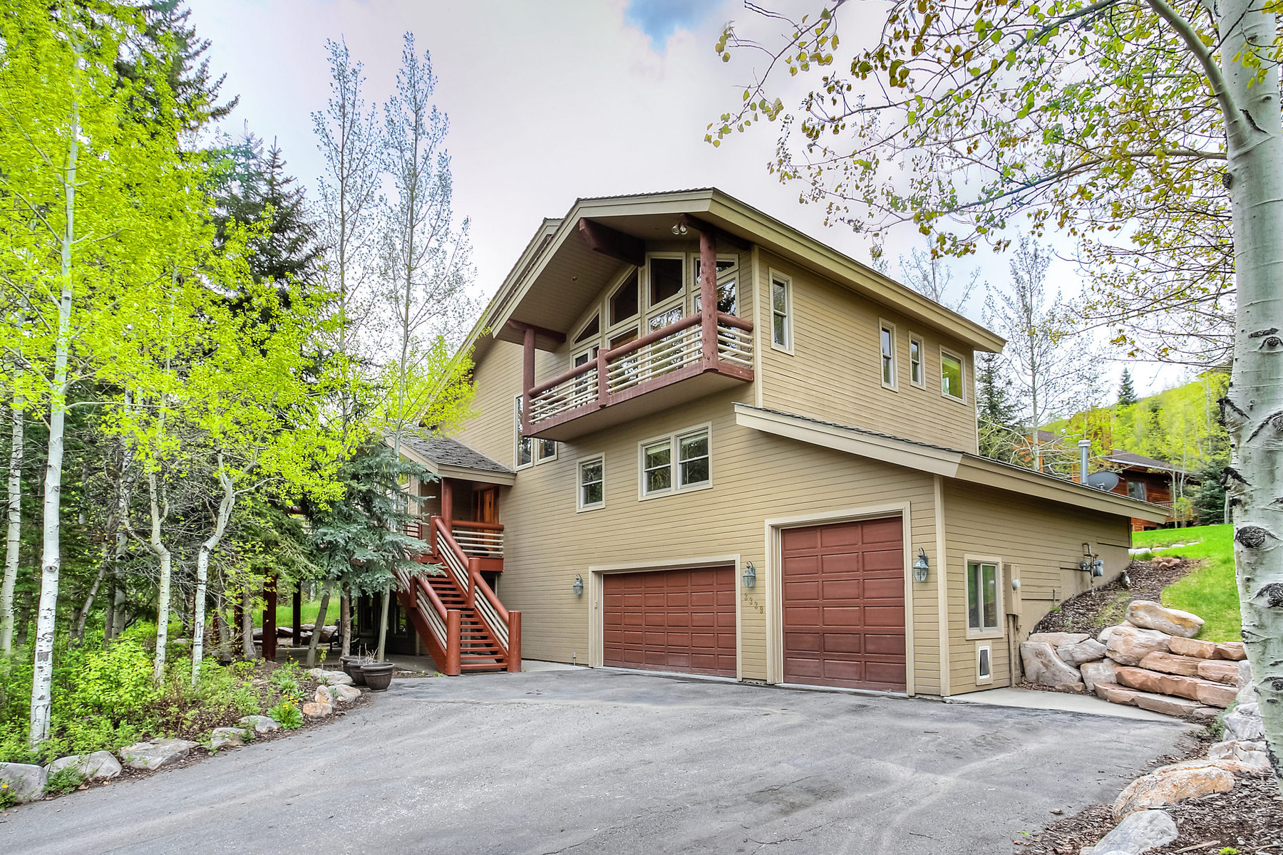 Single Family Home for Sale at Stunning Private retreat in Upper Pinebrook 3339 Big Spruce Way Park City, Utah 84098 United States