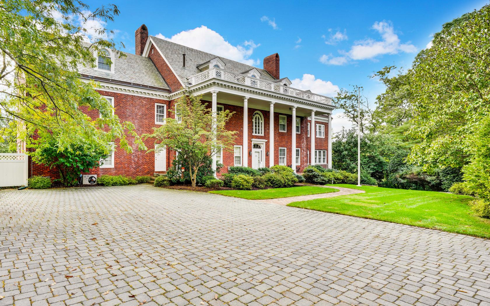 Single Family Home for Sale at Georgian Style Classic Colonial! 643 Rankin Road Brielle, 08730 United States