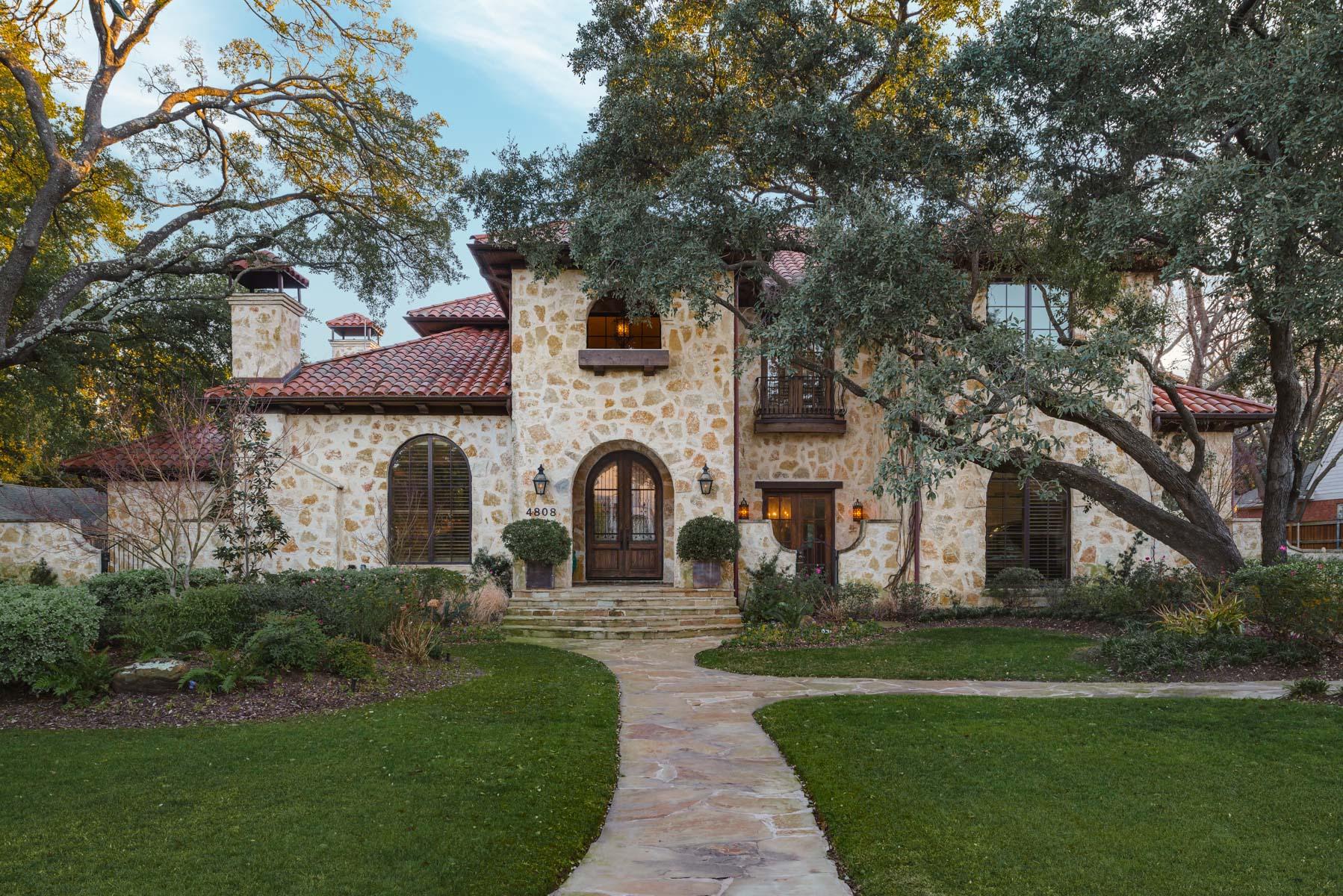 Частный односемейный дом для того Продажа на Mediterranean Preston Hollow Home 4808 Melissa Lane Dallas, Техас, 75229 Соединенные Штаты