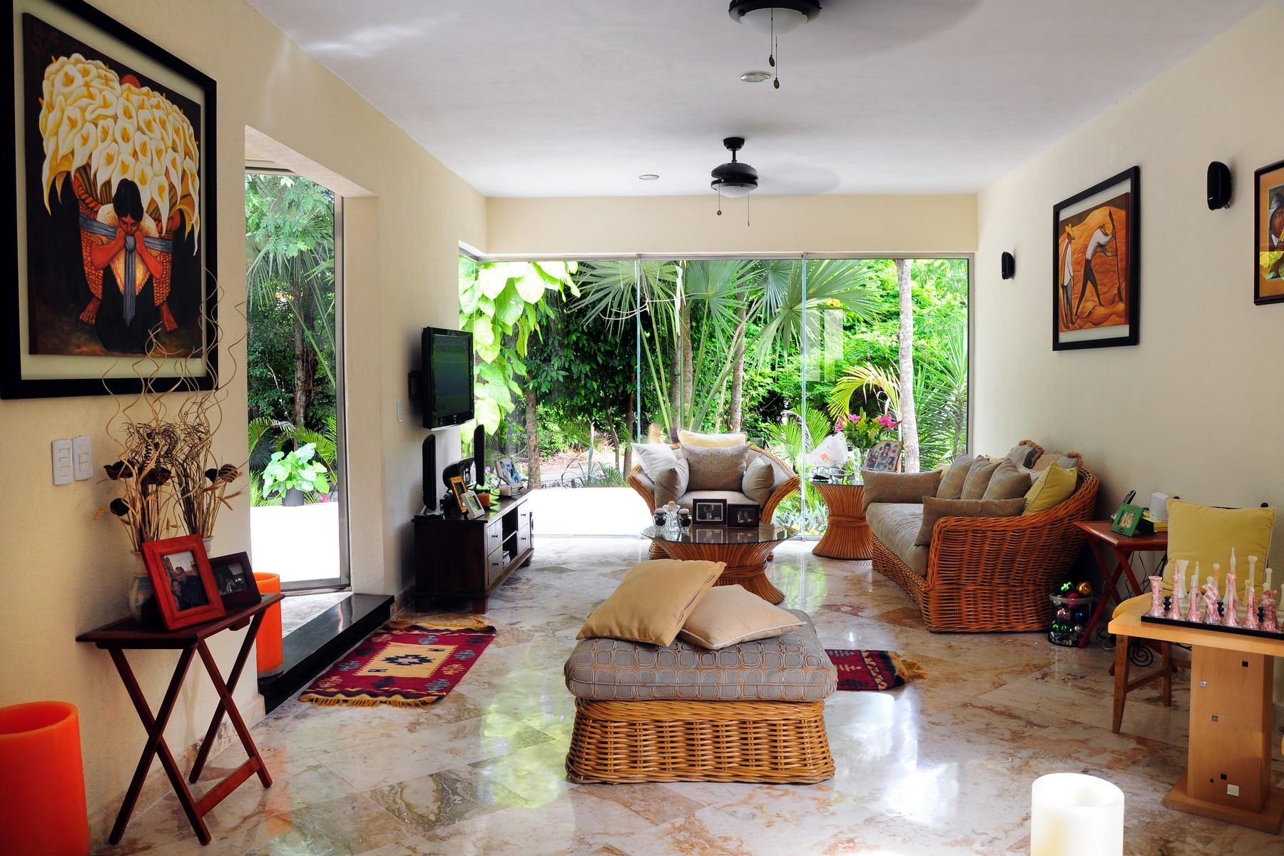 Casa Unifamiliar por un Venta en CLUB REAL RESIDENTIAL HOME Club Real, Playacar Fase II Playa Del Carmen, Quintana Roo 77710 México