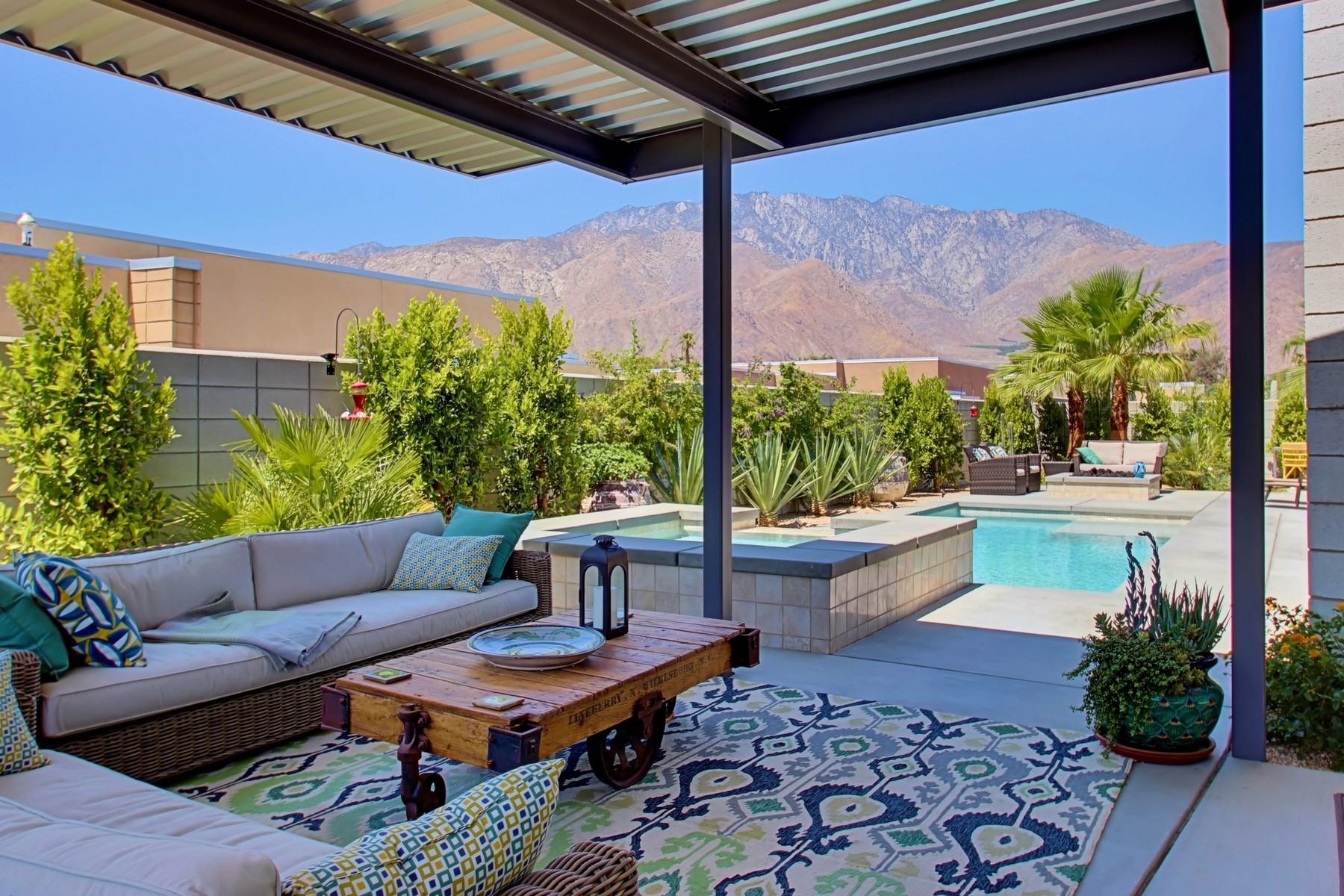 단독 가정 주택 용 매매 에 1125 Lucent Court Palm Springs, 캘리포니아, 92262 미국