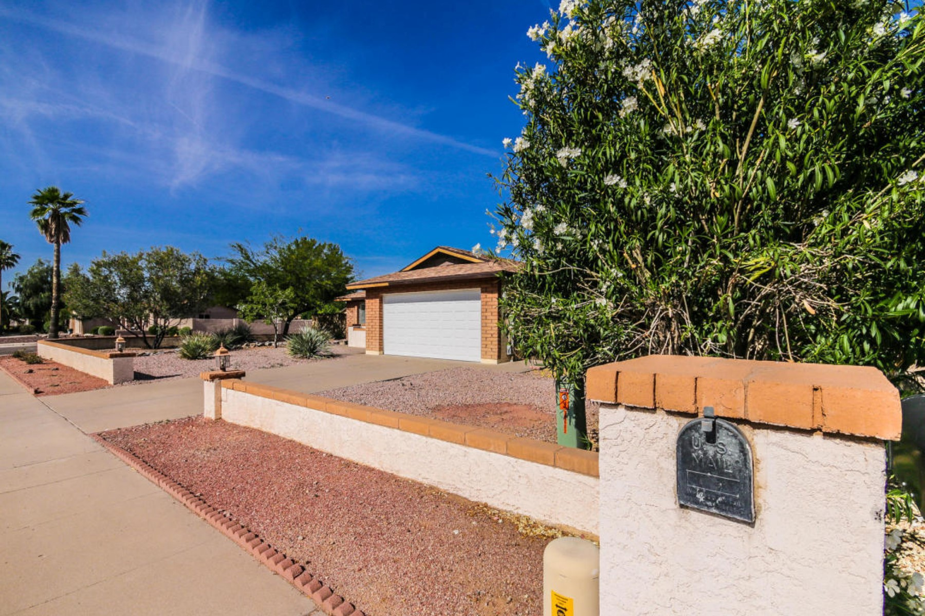 Single Family Home for Sale at Charming home in The Magic zip code of 85254 16602 N 66TH ST Scottsdale, Arizona 85254 United States
