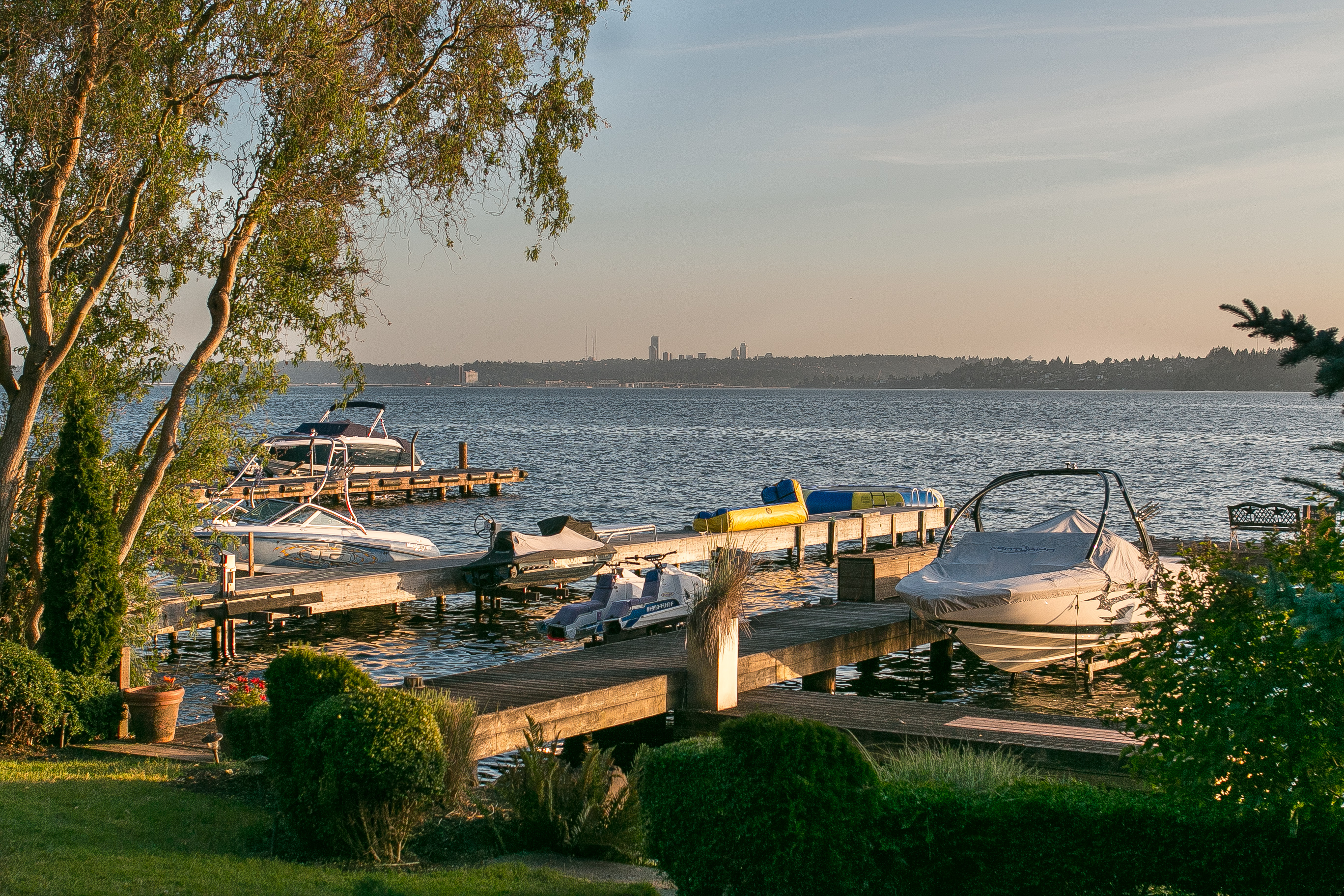 Moradia para Venda às Rare Kirkland Waterfront Opportunity 511 5th Ave W Kirkland, Washington 98033 Estados Unidos