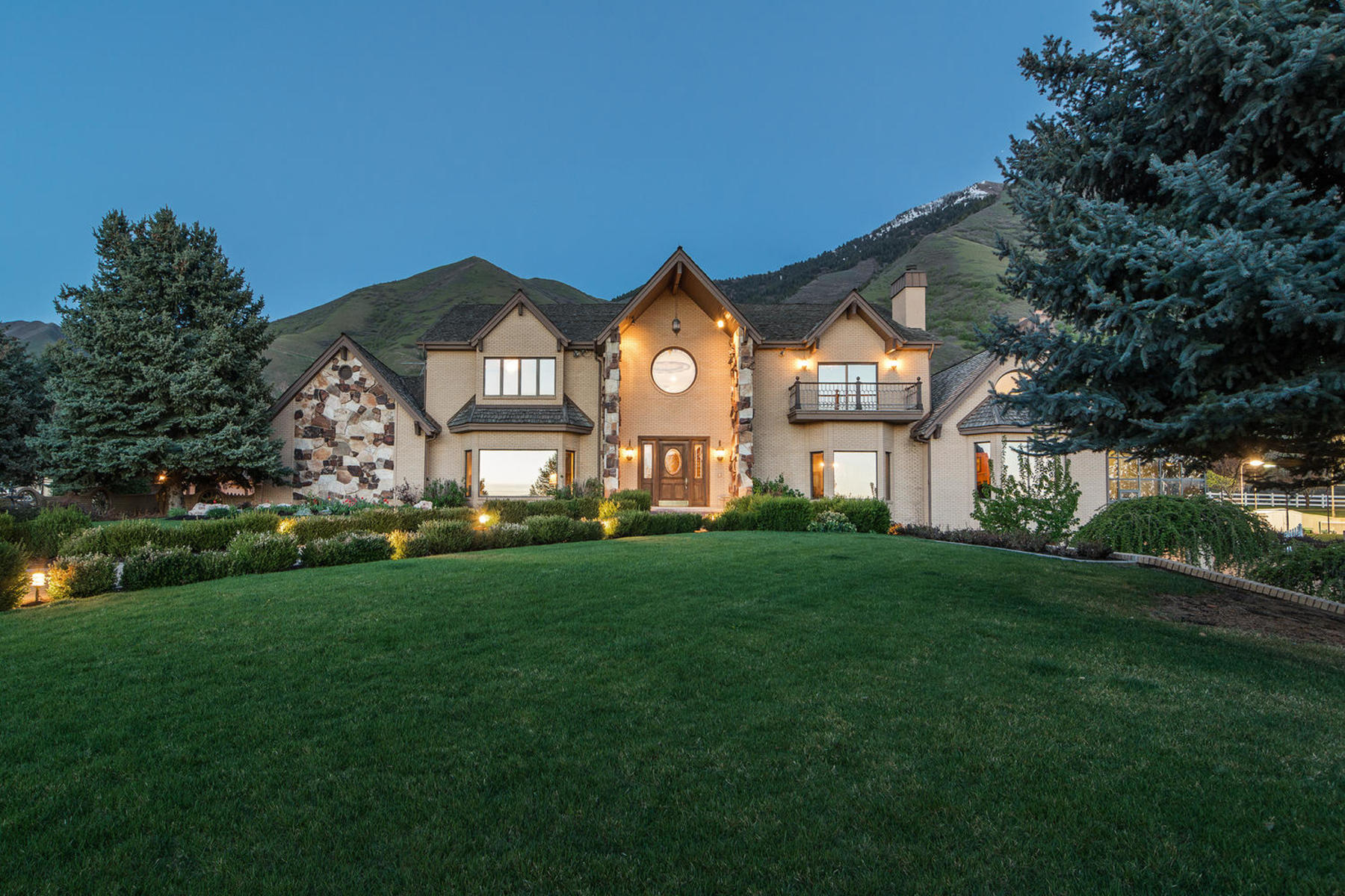 sales property at Maple Mountain Estate