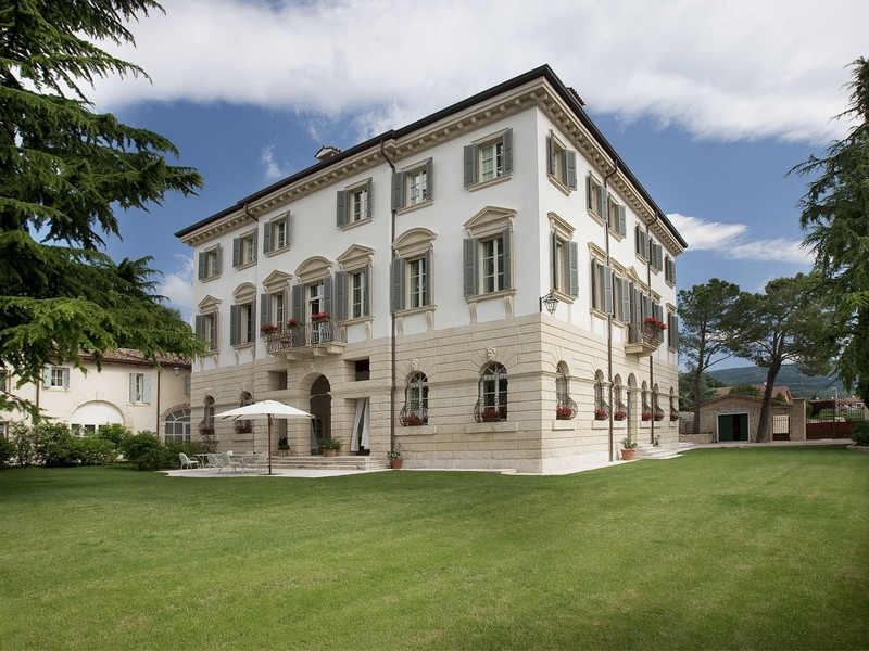 Multi-Family Home for Sale at Prestigious villa in the heart of Valpolicella Verona, Verona, 37020 Italy