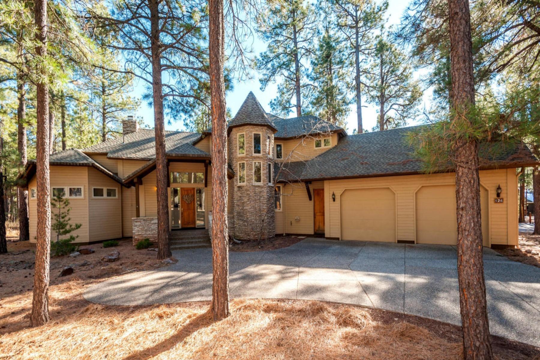 Vivienda unifamiliar por un Venta en Wonderful home situated within the gates of Forest Highland golf club 2199 W John Hance Flagstaff, Arizona 86005 Estados Unidos