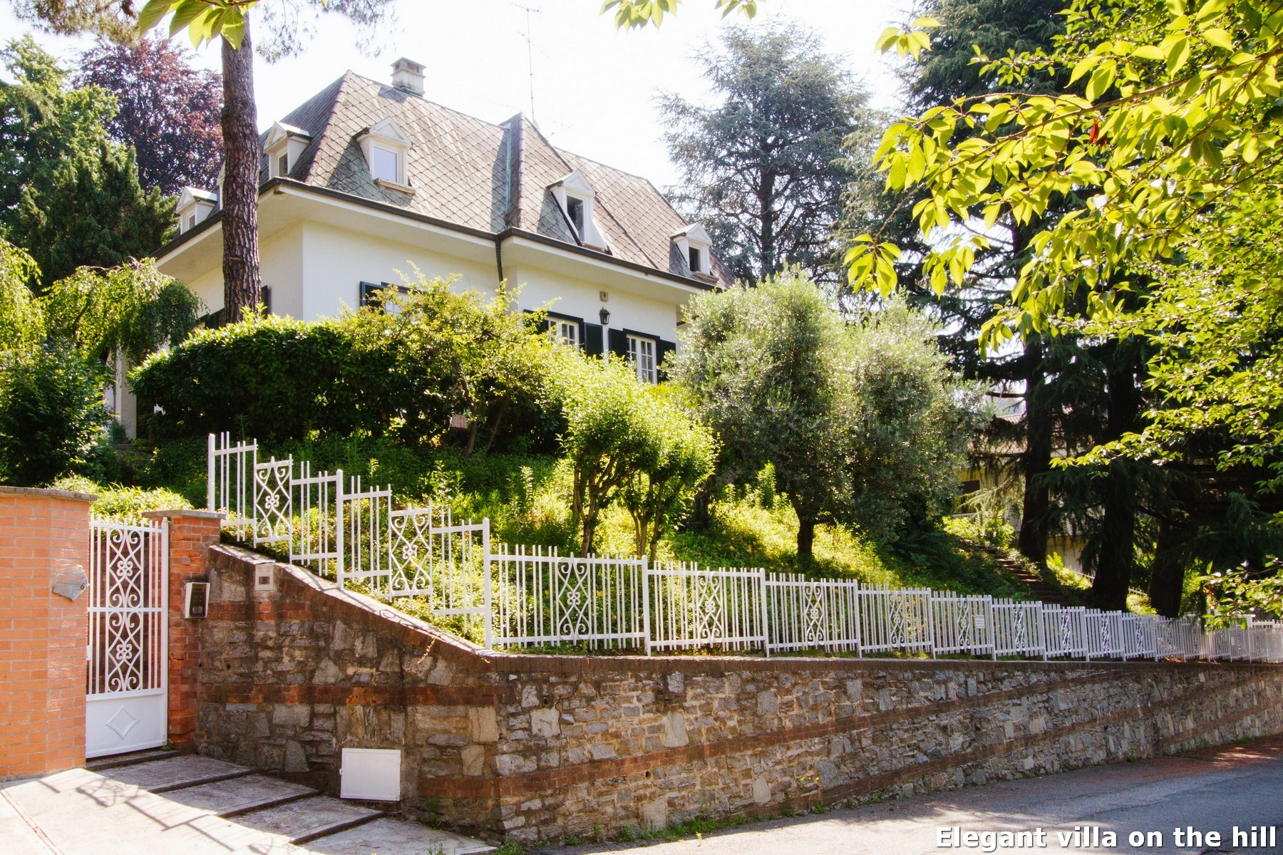 Single Family Home for Sale at Elegant villa on the hill Viale XXV Aprile Torino, 10133 Italy