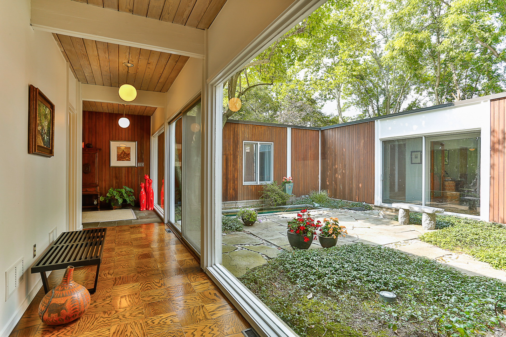 단독 가정 주택 용 매매 에 Stunning Mid-Century Modern with Brook Views 115 Brookstone Drive Princeton, 뉴저지, 08540 미국