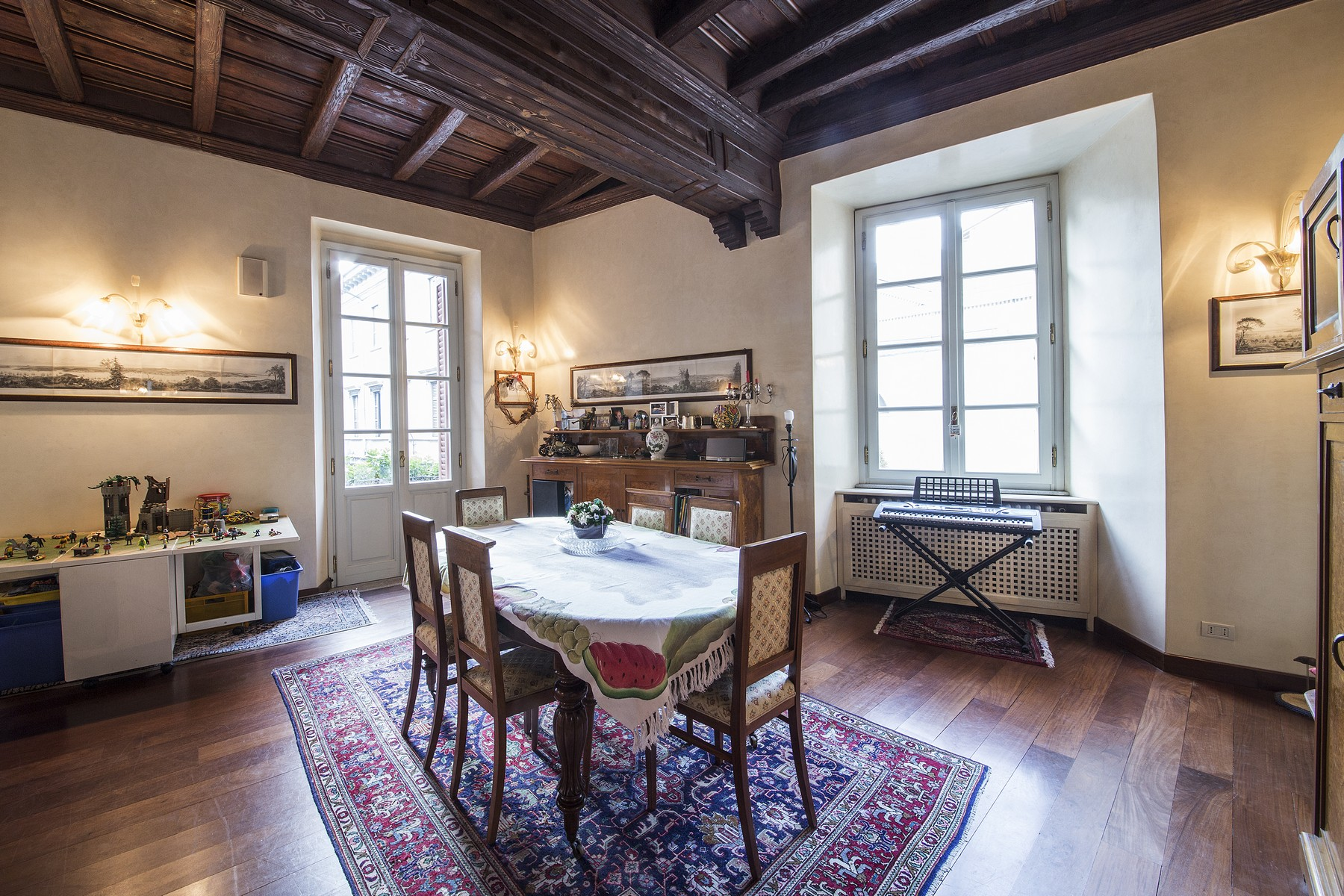 Additional photo for property listing at Wonderful apartment in prestigious building in the center of Como Via Bonanomi Como, Como 22100 Italy