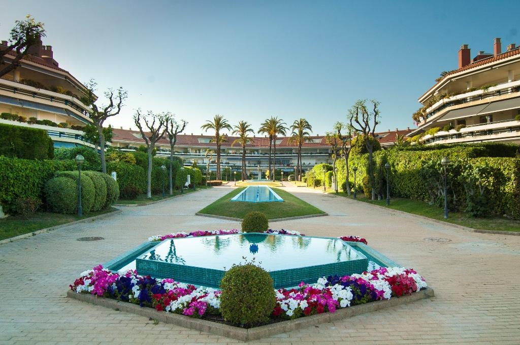 Apartamento por un Venta en Magnificent duplex penthouse in Sitges Sitges, Barcelona España