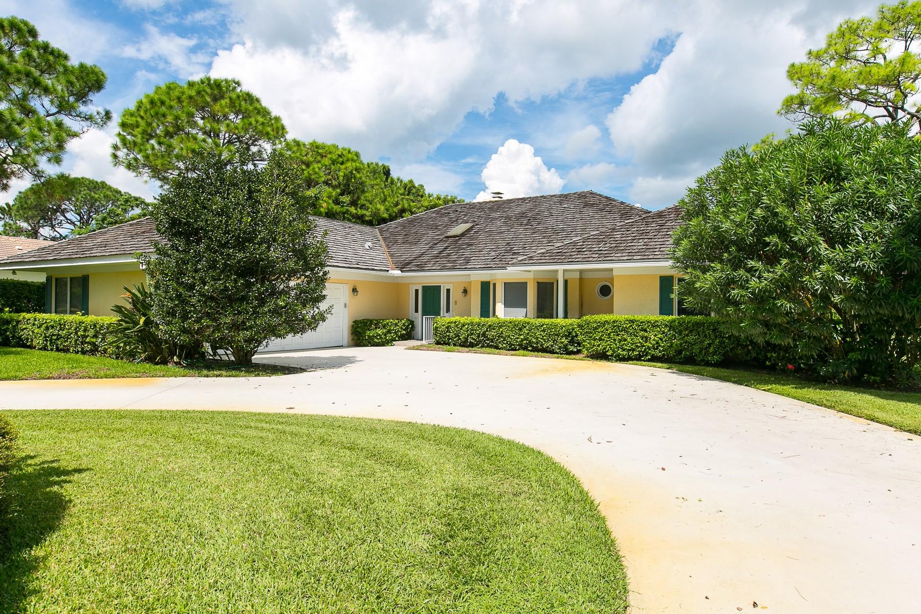 Maison unifamiliale pour l Vente à Bent Pine Golf Club 5825 Glen Eagle Lane Vero Beach, Florida, 32967 États-Unis