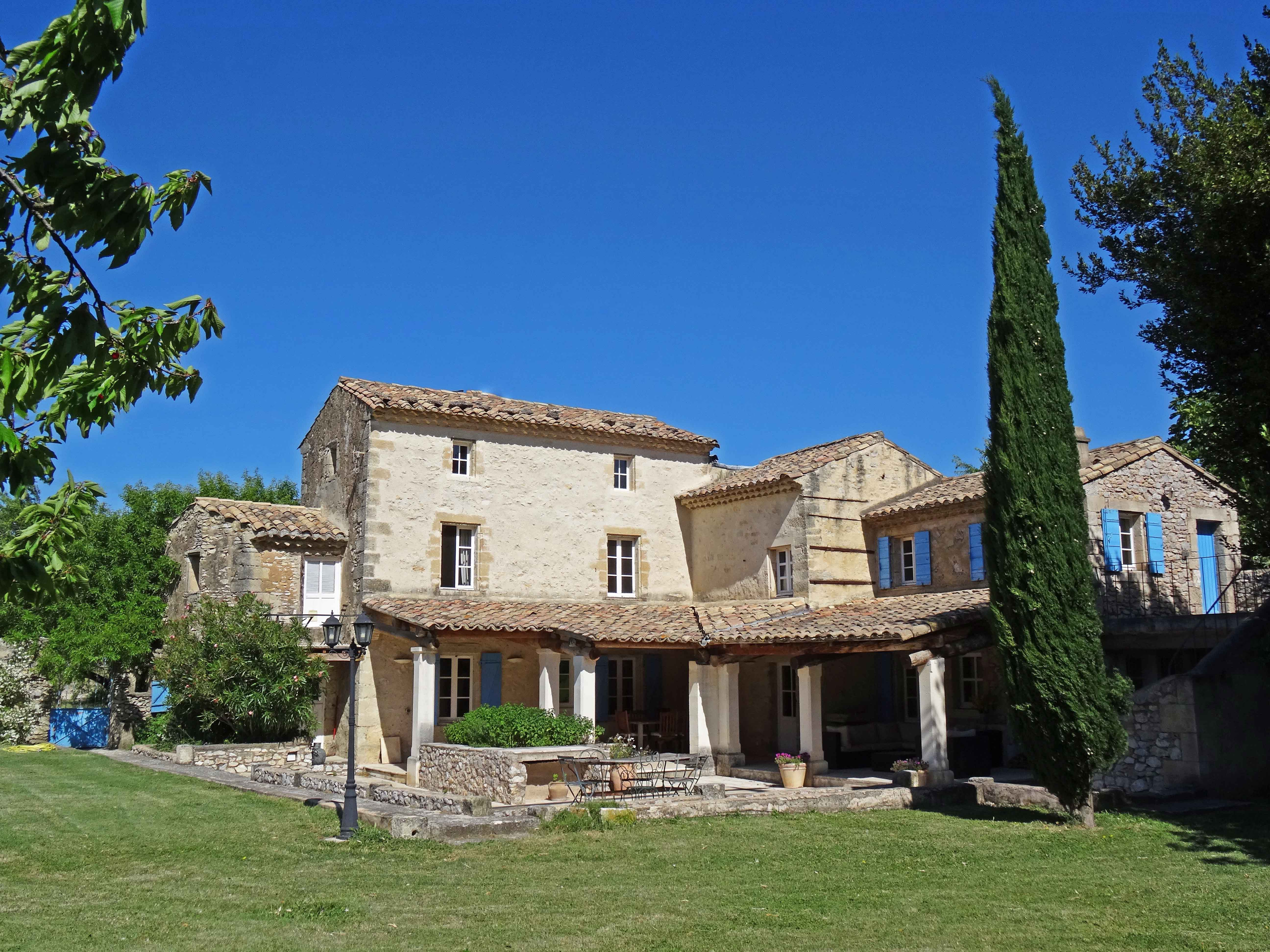 Ферма / ранчо / плантация для того Продажа на MAS DE CARACTERE PROCHE D AVIGNON Other Provence-Alpes-Cote D'Azur, Прованс-Альпы-Лазурный Берег Франция