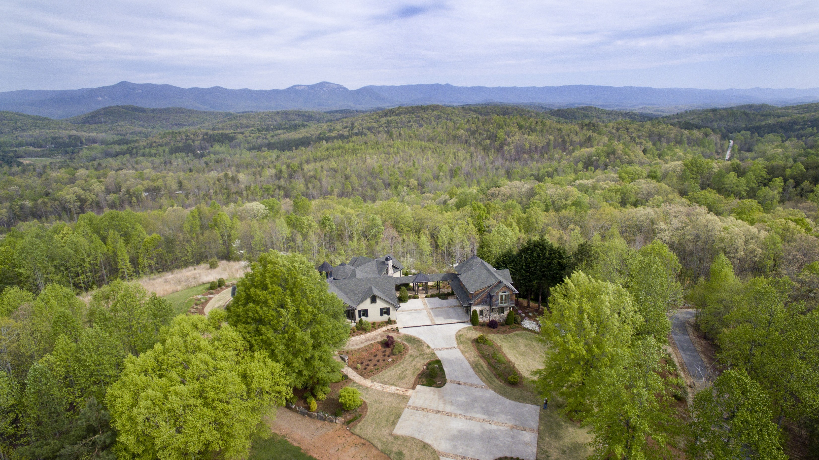 Single Family Home for Sale at Unparalleled Mountaintop Estate in the Foothills of the Blue Ridge 174 Chestnut Oaks Drive Pickens, South Carolina, 29671 United States