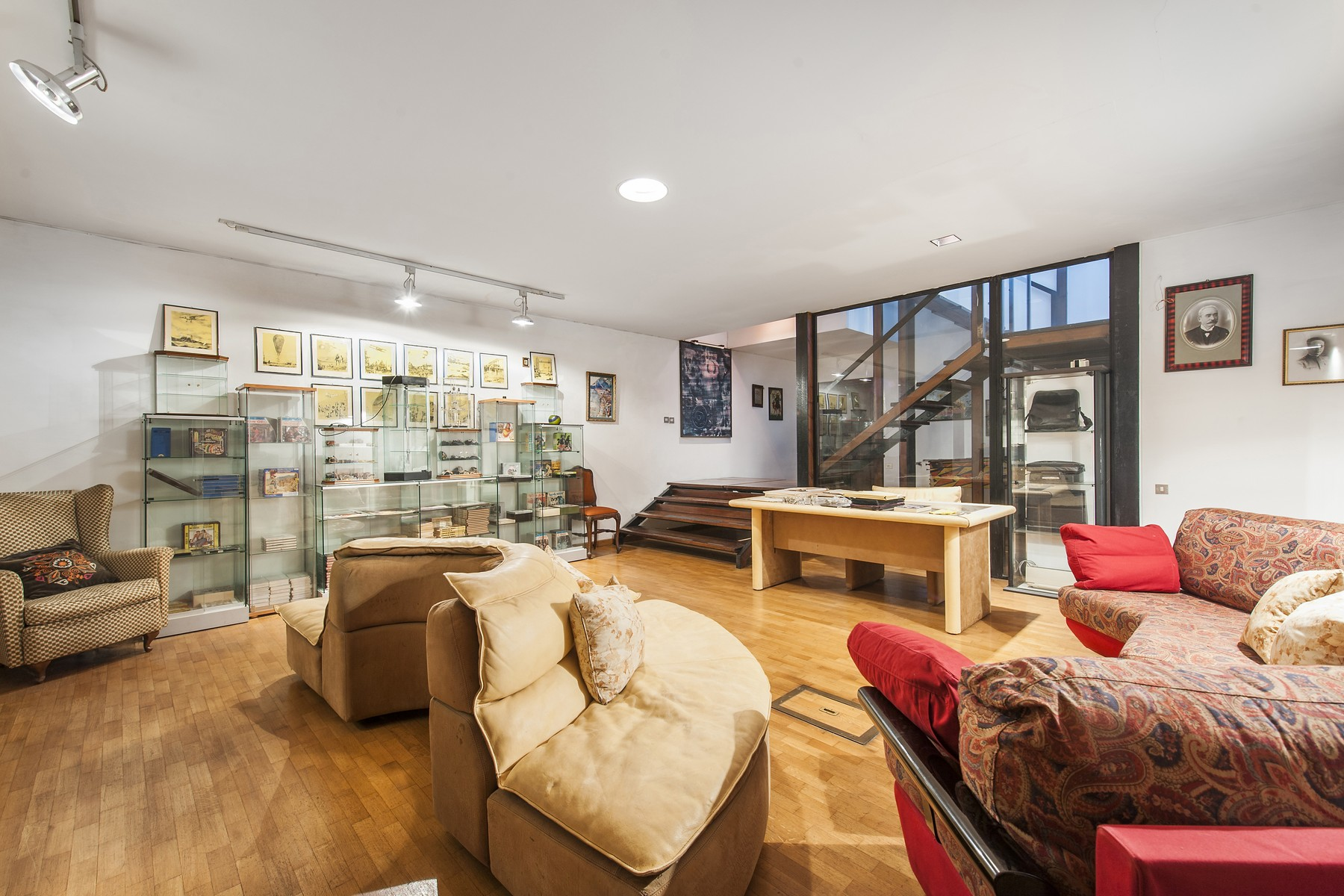 Additional photo for property listing at Beautiful designed Villa at Olgiata Largo dell'Olgiata Rome, Rome 00123 Italy
