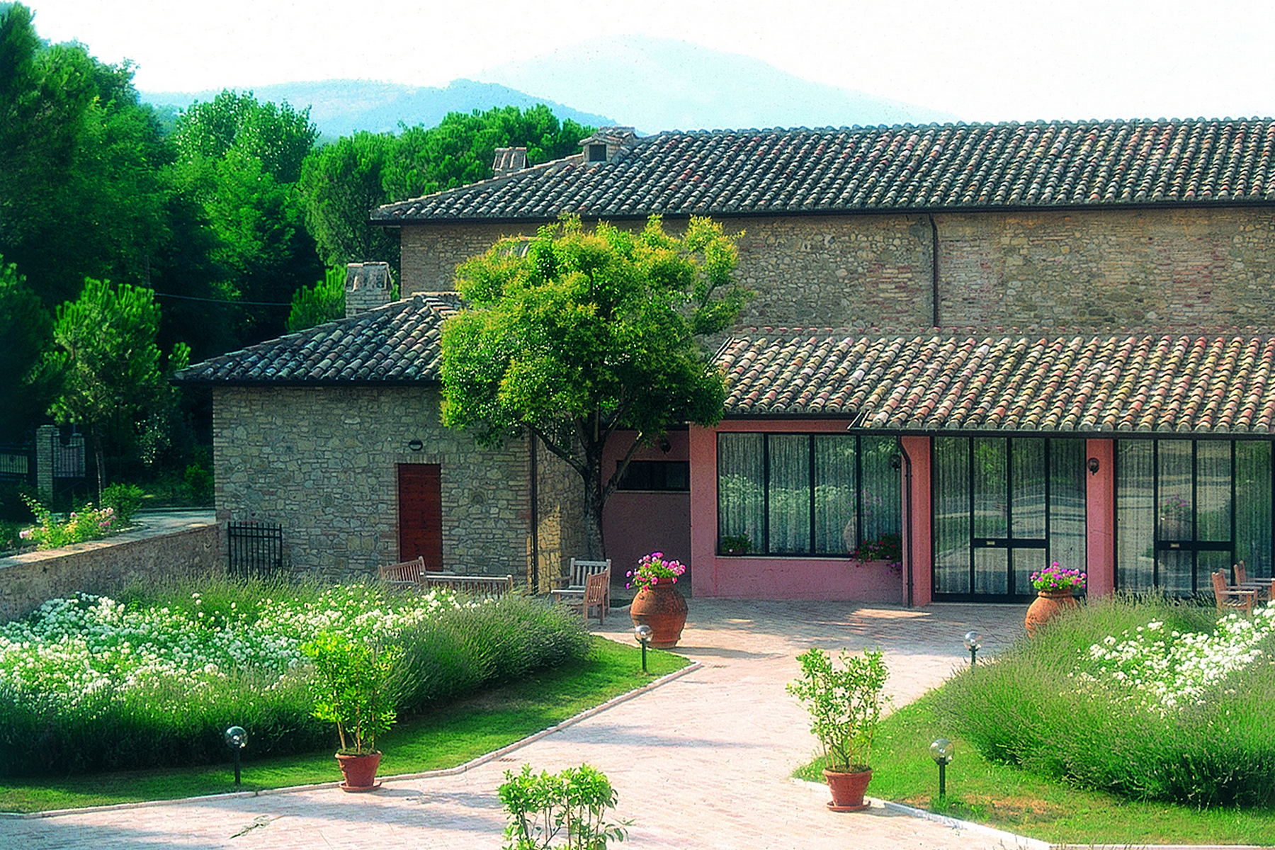 Additional photo for property listing at Splendid historical Relais in the Umbrian countryside Perugia, Perugia Italie