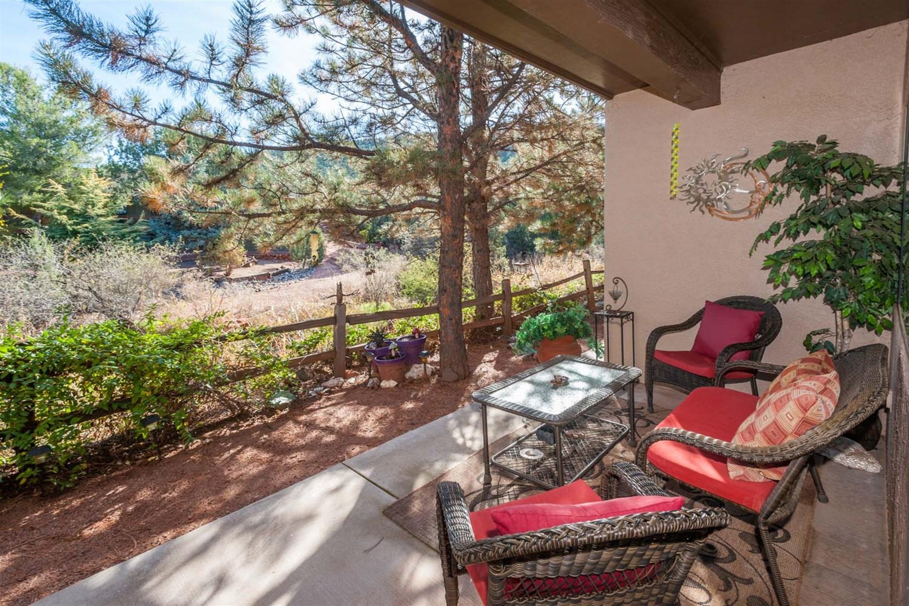 Eigentumswohnung für Verkauf beim Sought-after and easy maintenance Morning Sun Condominium Community 48 Tanager Lane Sedona, Arizona 86336 Vereinigte Staaten