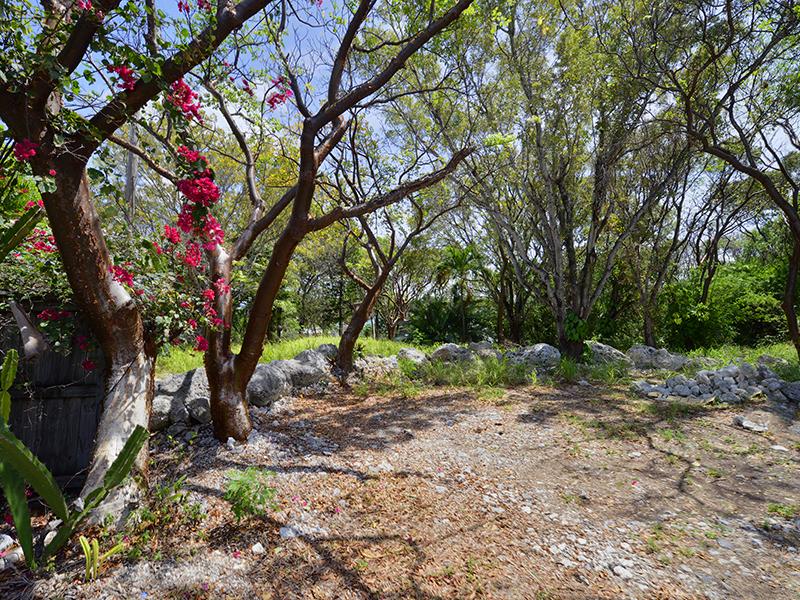 Terrain pour l Vente à Lot with Bay Views 103 Point Pleasant Drive Key Largo, Florida 33037 États-Unis