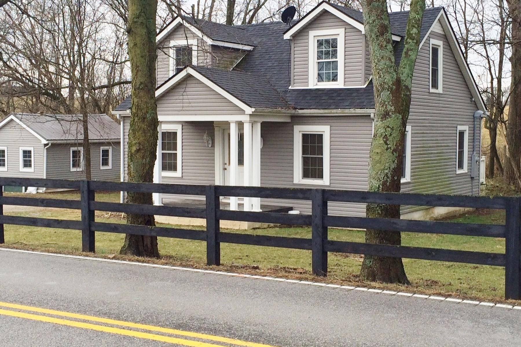Maison unifamiliale pour l Vente à 5405 Troy Pike Versailles, Kentucky, 40383 États-Unis