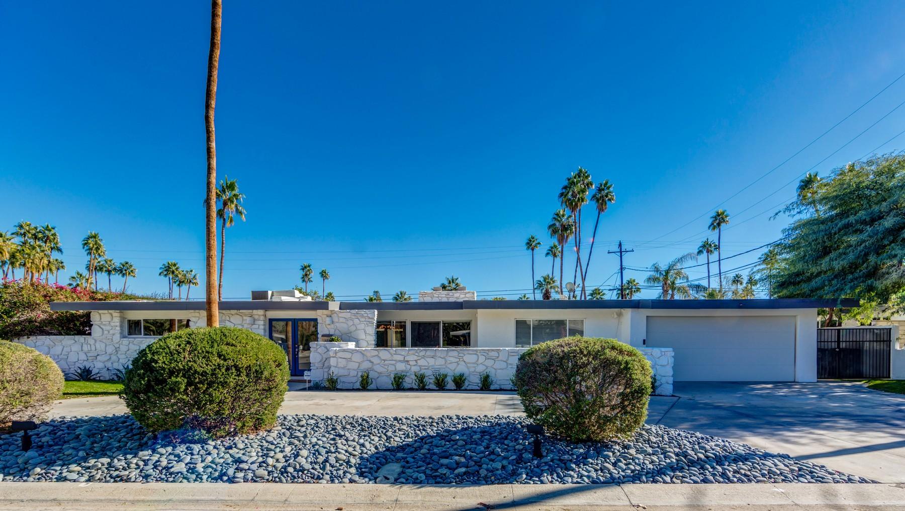 Частный односемейный дом для того Продажа на 1632 S Sagebrush Palm Springs, Калифорния 92234 Соединенные Штаты