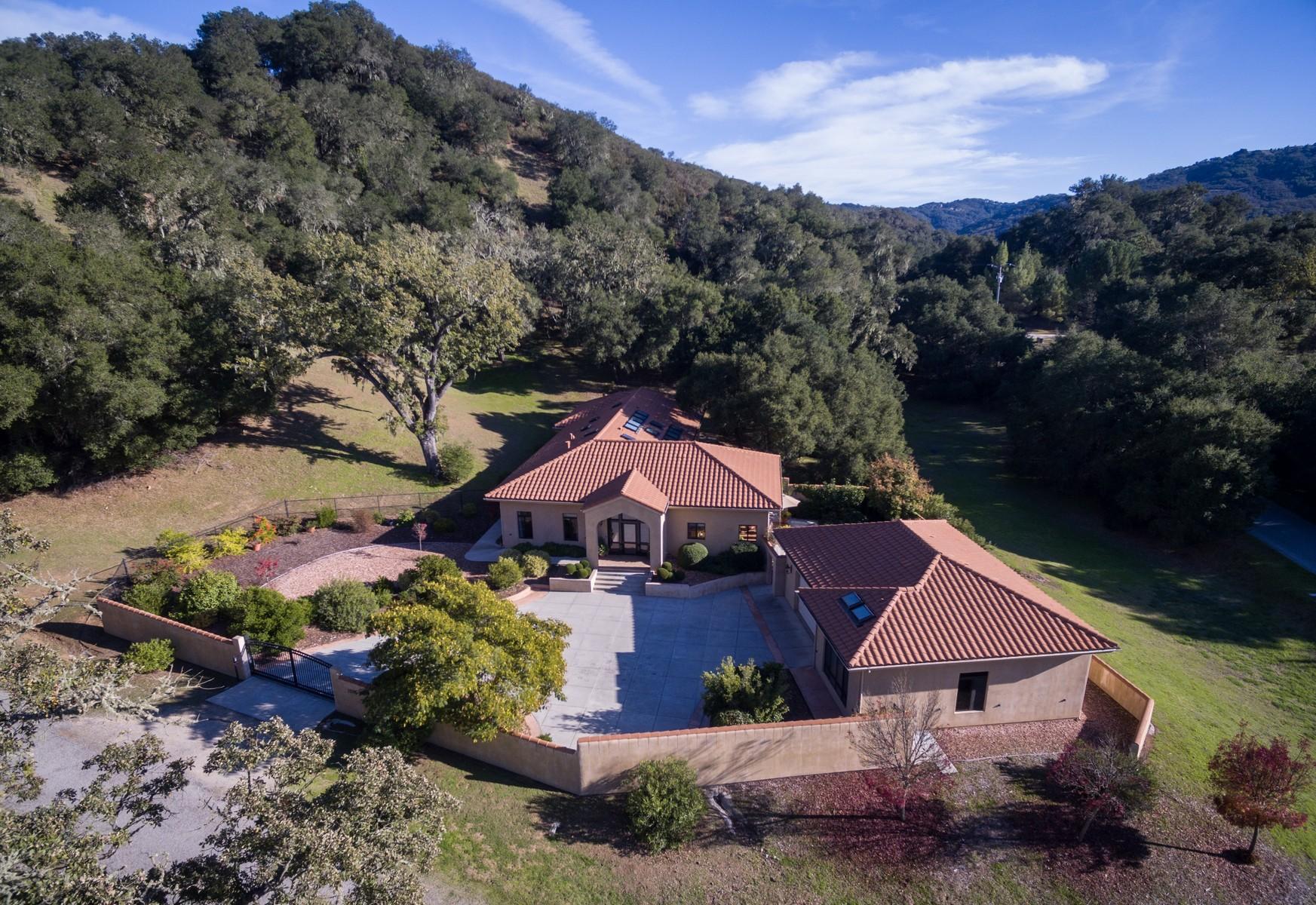 Einfamilienhaus für Verkauf beim Privately Gated Mediterranean Style Estate 7205 Nudoso Rd Atascadero, Kalifornien, 93422 Vereinigte Staaten