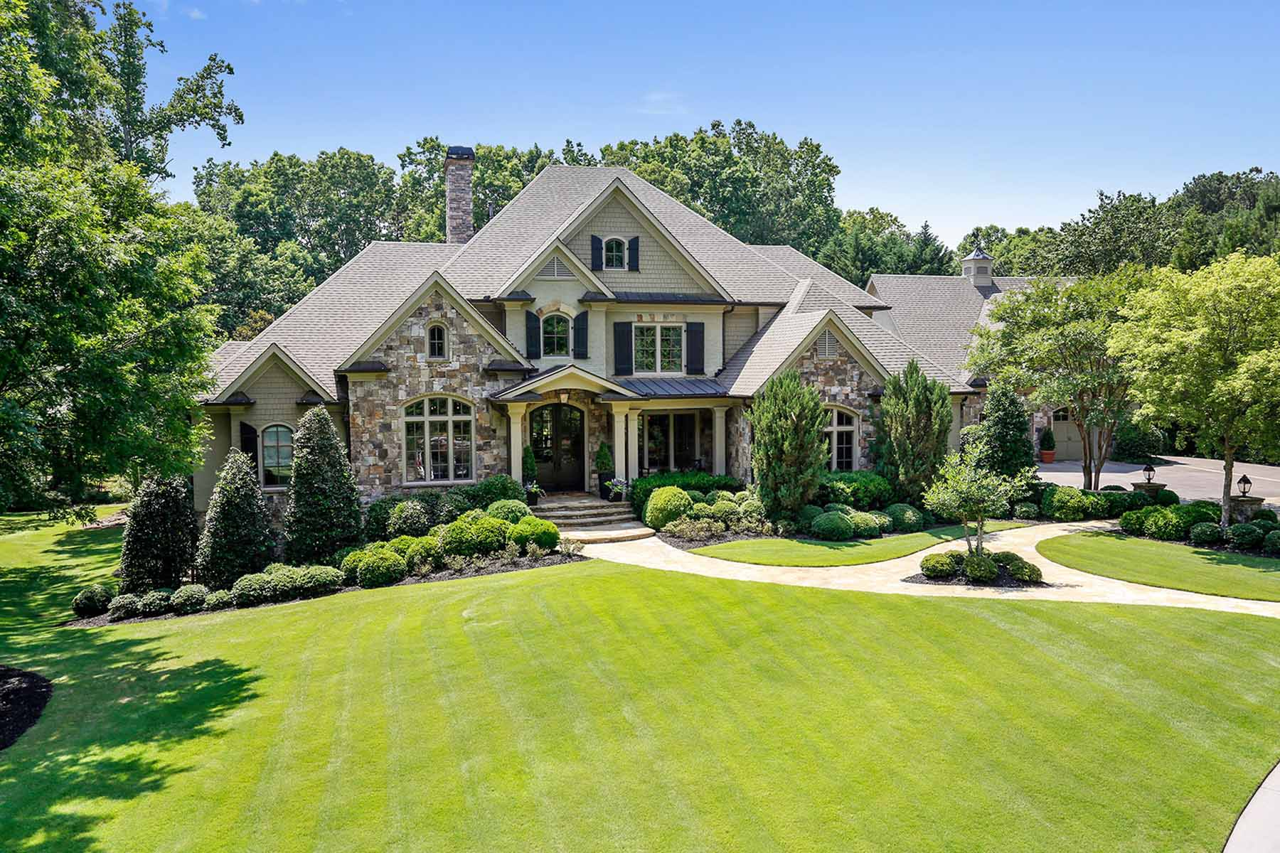 Einfamilienhaus für Verkauf beim Elegant, Casual Retreat 4824 Short Street Suwanee, Georgia, 30024 Vereinigte Staaten