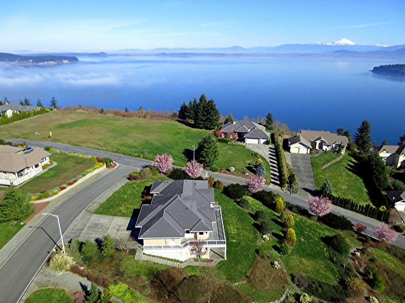 Terrain pour l Vente à Finisterre Heights Camano Island Alta Via Drive Lot 44 Camano Island, Washington, 98282 États-Unis