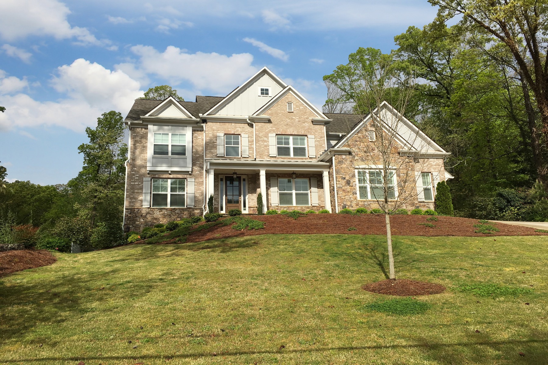 獨棟家庭住宅 為 出售 在 Gorgeous Traditional Style Home 6440 Bridgewood Valley Road Sandy Springs, 喬治亞州, 30328 美國