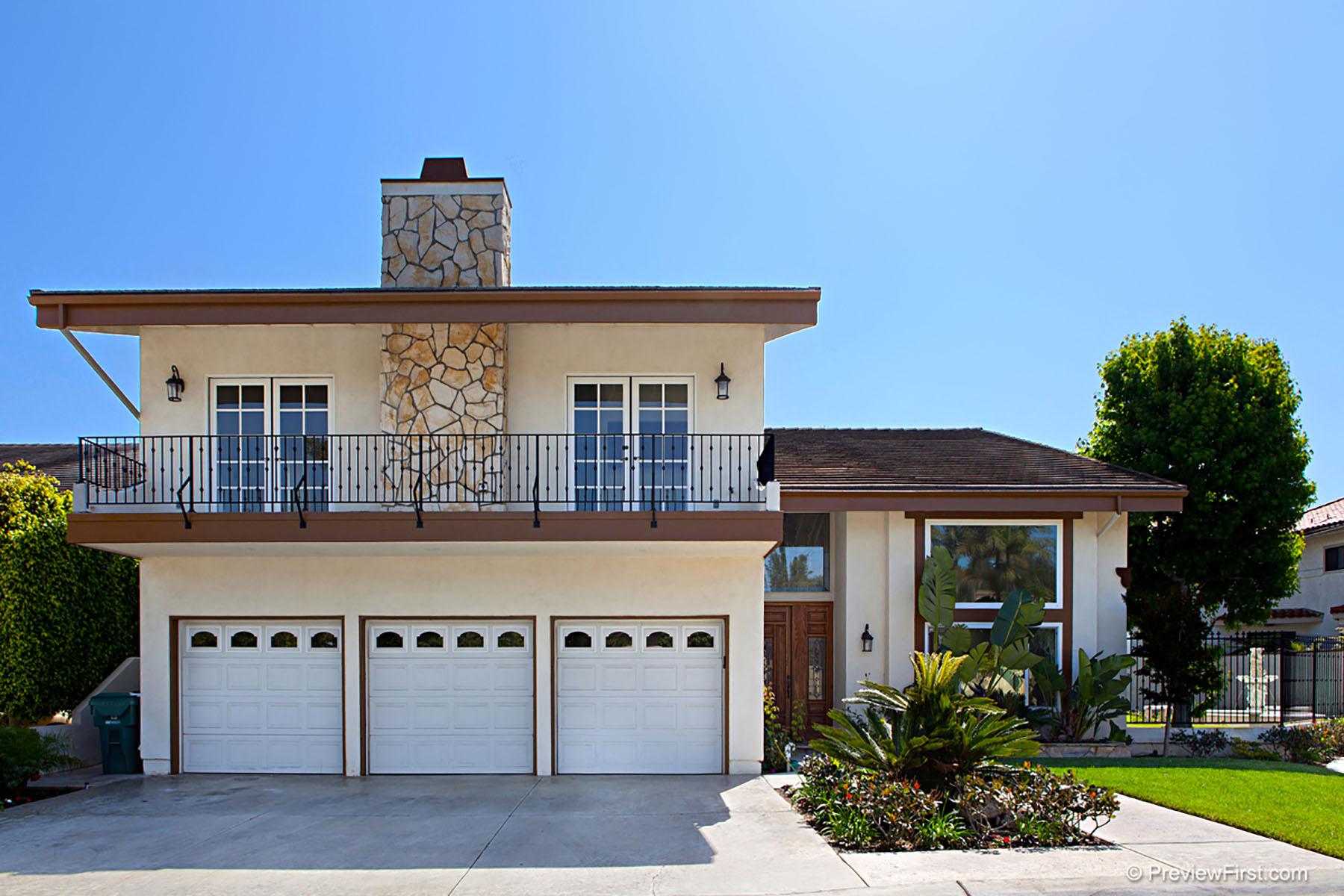 Частный односемейный дом для того Продажа на 17212 Hillside Circle Huntington Beach, Калифорния, 92649 Соединенные Штаты