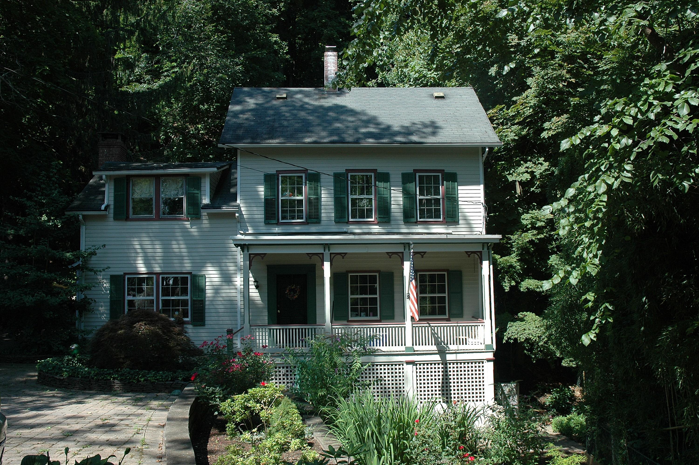 Casa Unifamiliar por un Venta en Picturesque Colonial 45 River Rd Grandview, Nueva York, 10960 Estados Unidos