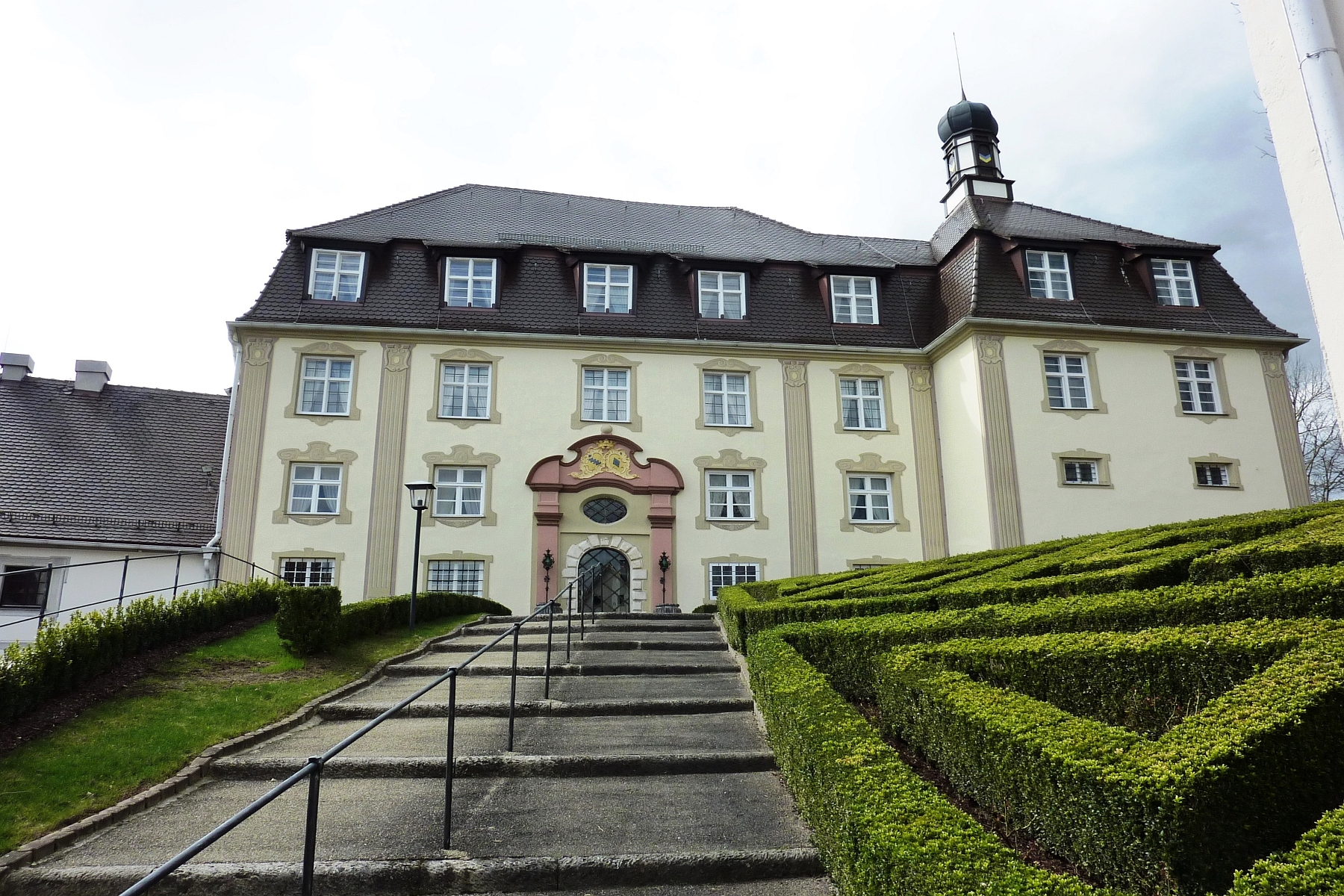 Single Family Home for Sale at Former castle hotel with expansion potential is looking for a new owner! Other Baden Wurttemberg, Baden Wurttemberg 89168 Germany