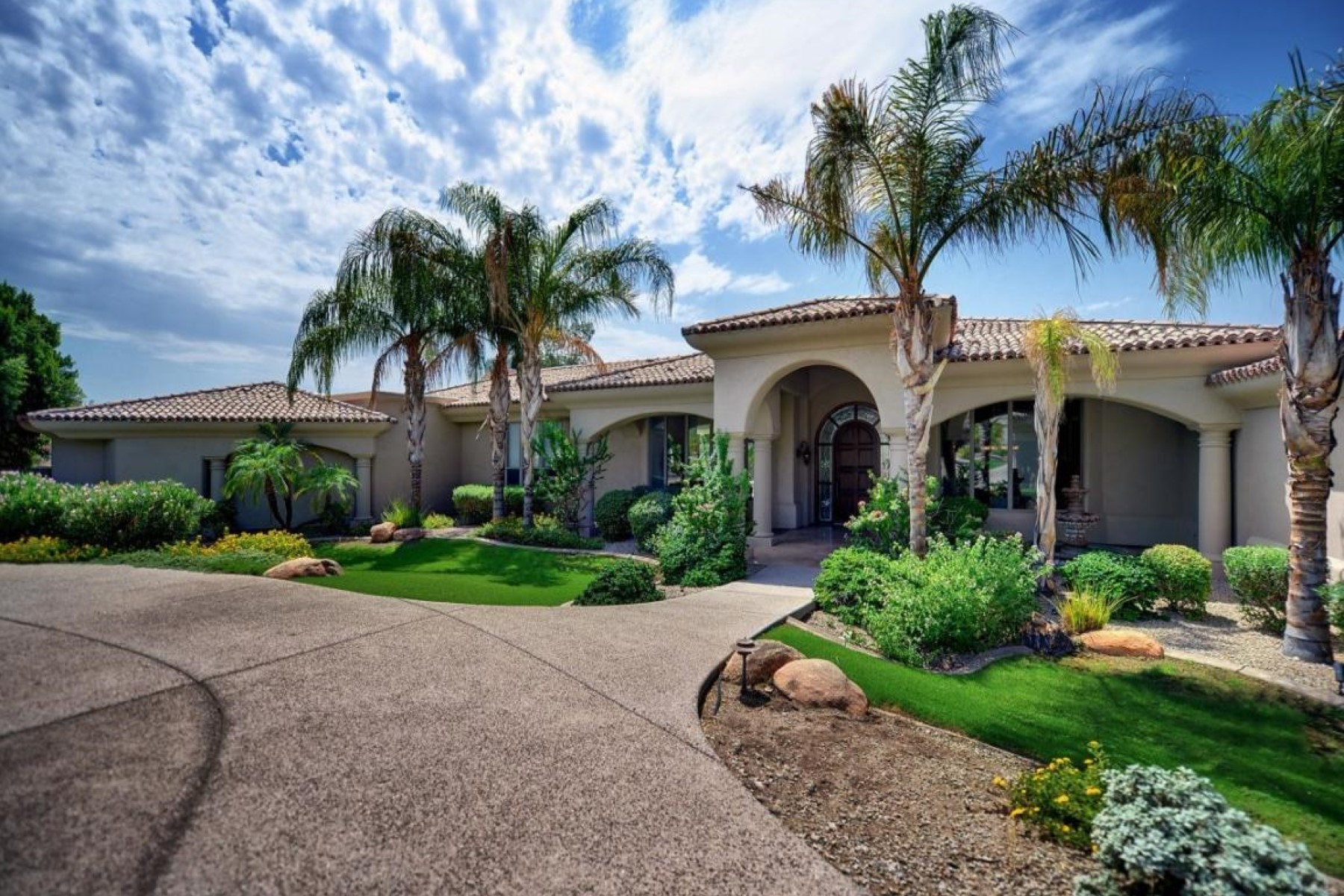 sales property at Beautiful custom home in Paradise Valley