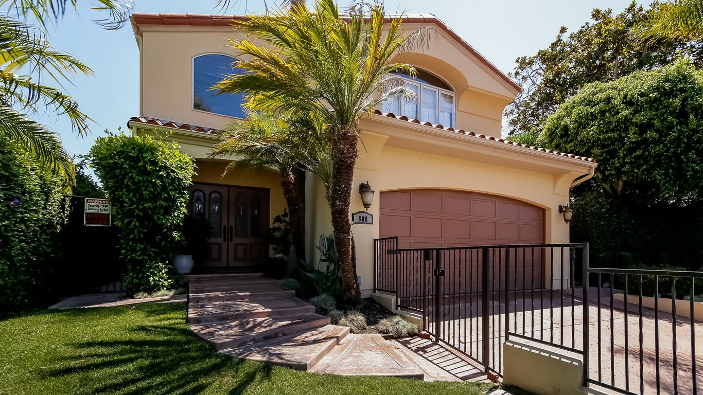 sales property at 808 Rosecrans Av
