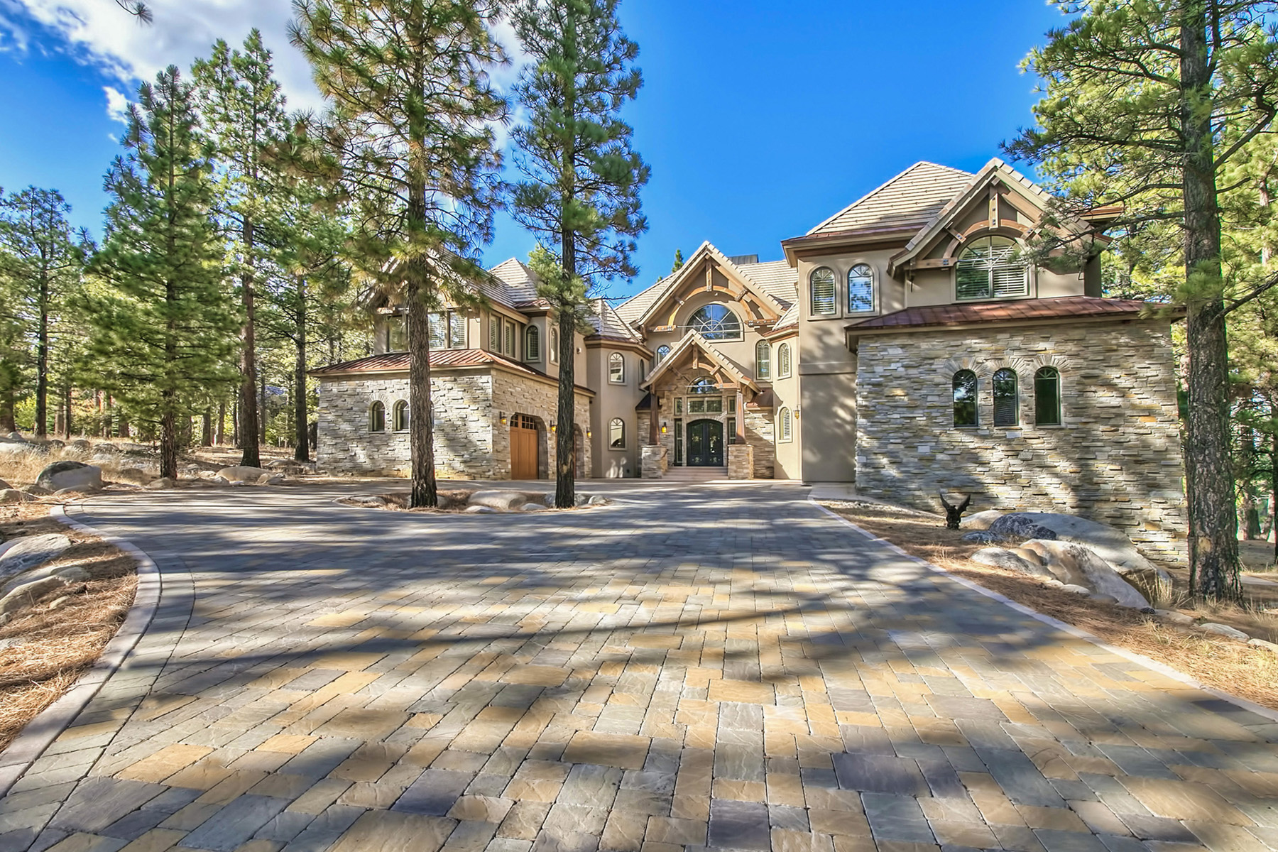 Maison unifamiliale pour l Vente à 4645 Alpes Way Montreux, Reno, Nevada, 89511 États-Unis
