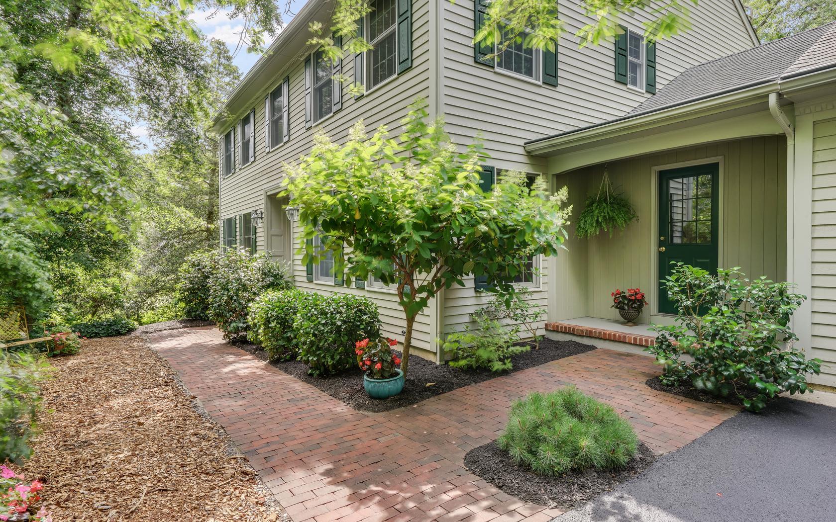 Частный односемейный дом для того Продажа на Quiet and Tranquil Setting! 844 William Drive Brielle, Нью-Джерси, 08730 Соединенные Штаты