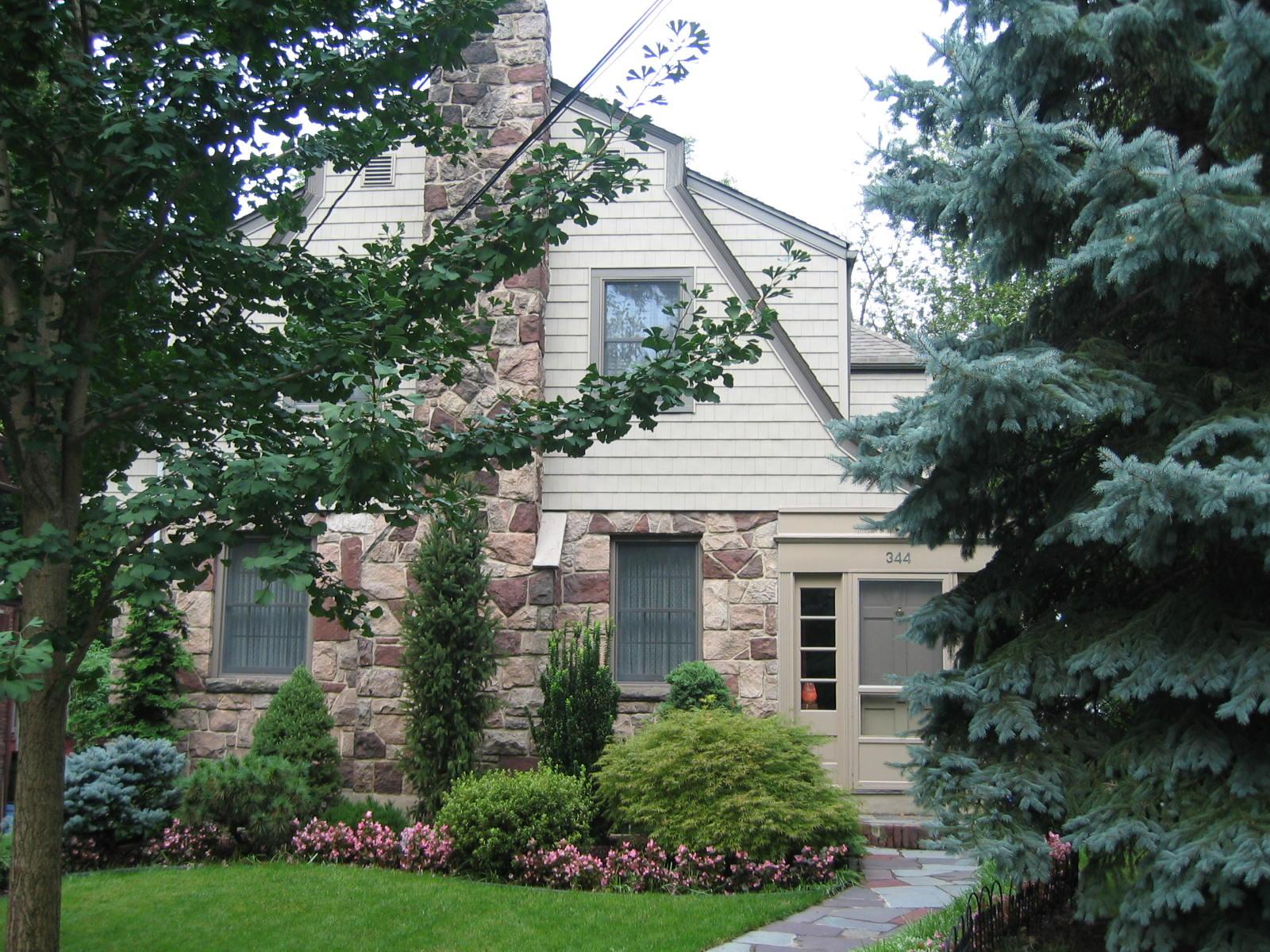 Частный односемейный дом для того Продажа на Classic Field Stone Dutch Colonial 344 Audubon Rd Englewood, Нью-Джерси 07631 Соединенные Штаты