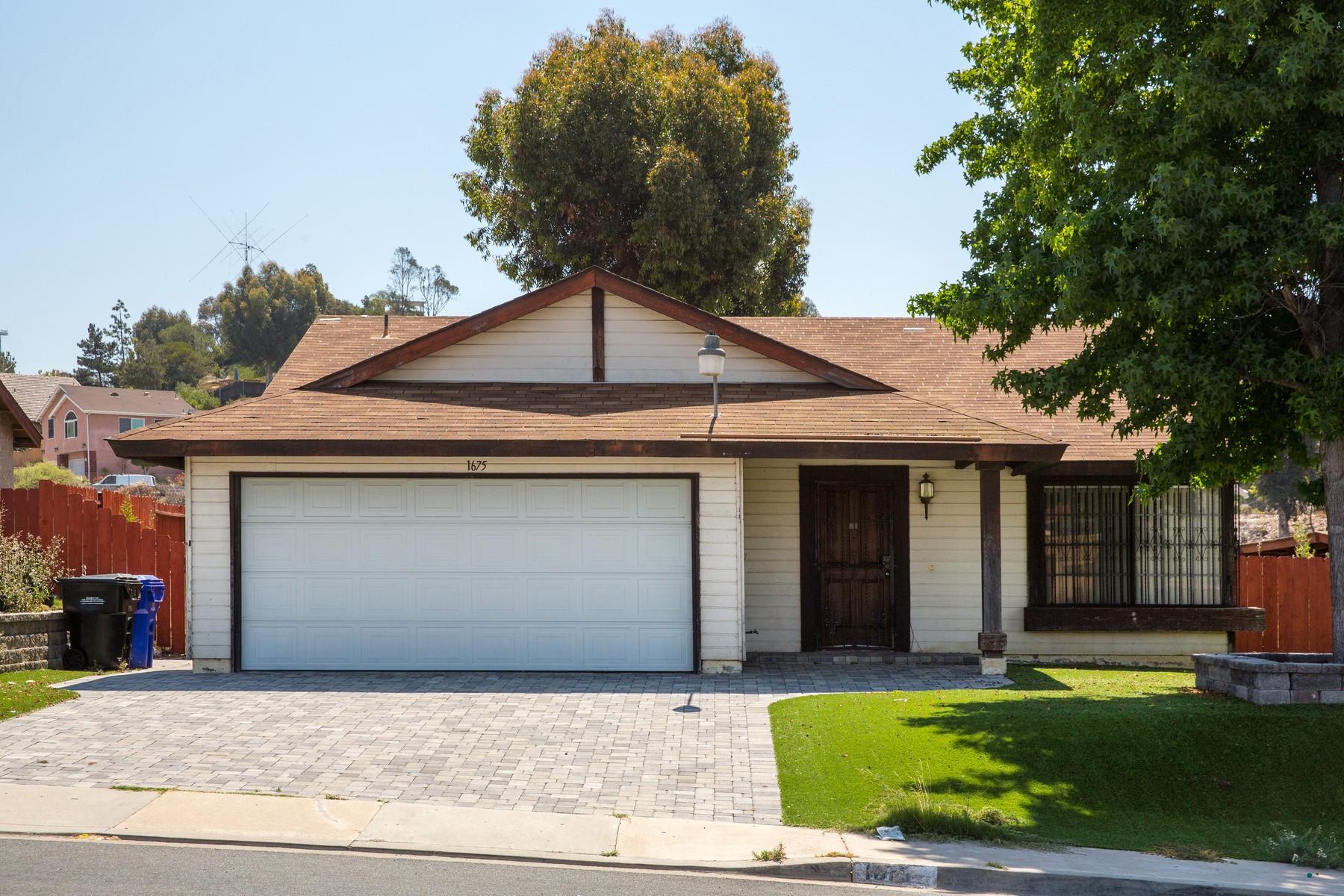 獨棟家庭住宅 為 出售 在 1675 Plaza Crest Ridge Road Encanto, San Diego, 加利福尼亞州, 92114 美國