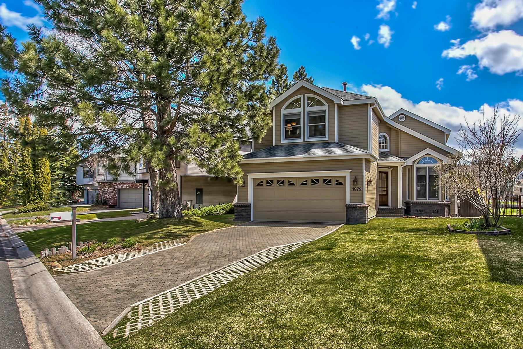 Single Family Home for Active at 1972 Marconi Way South Lake Tahoe, California 96150 United States