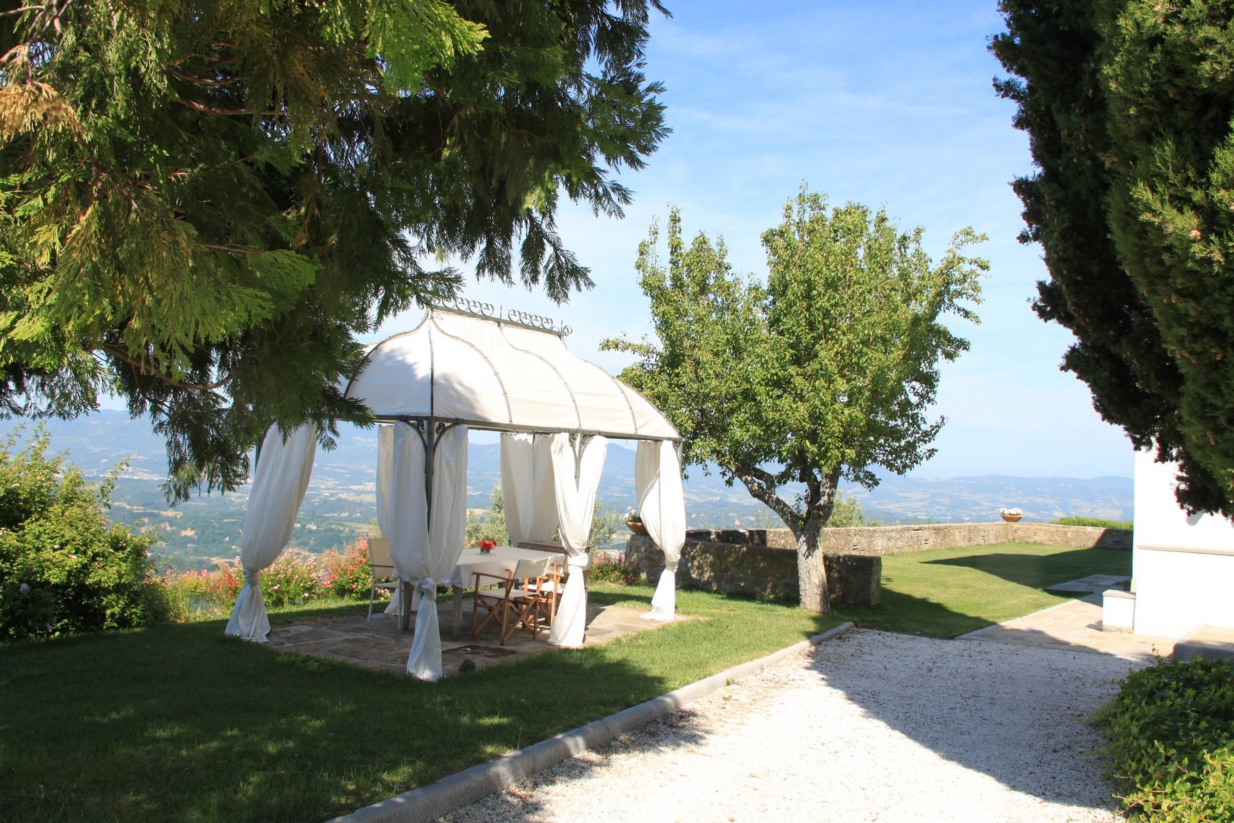Additional photo for property listing at Design villa in the Tuscan countryside Pian di Sco Arezzo, Arezzo 52026 Italien