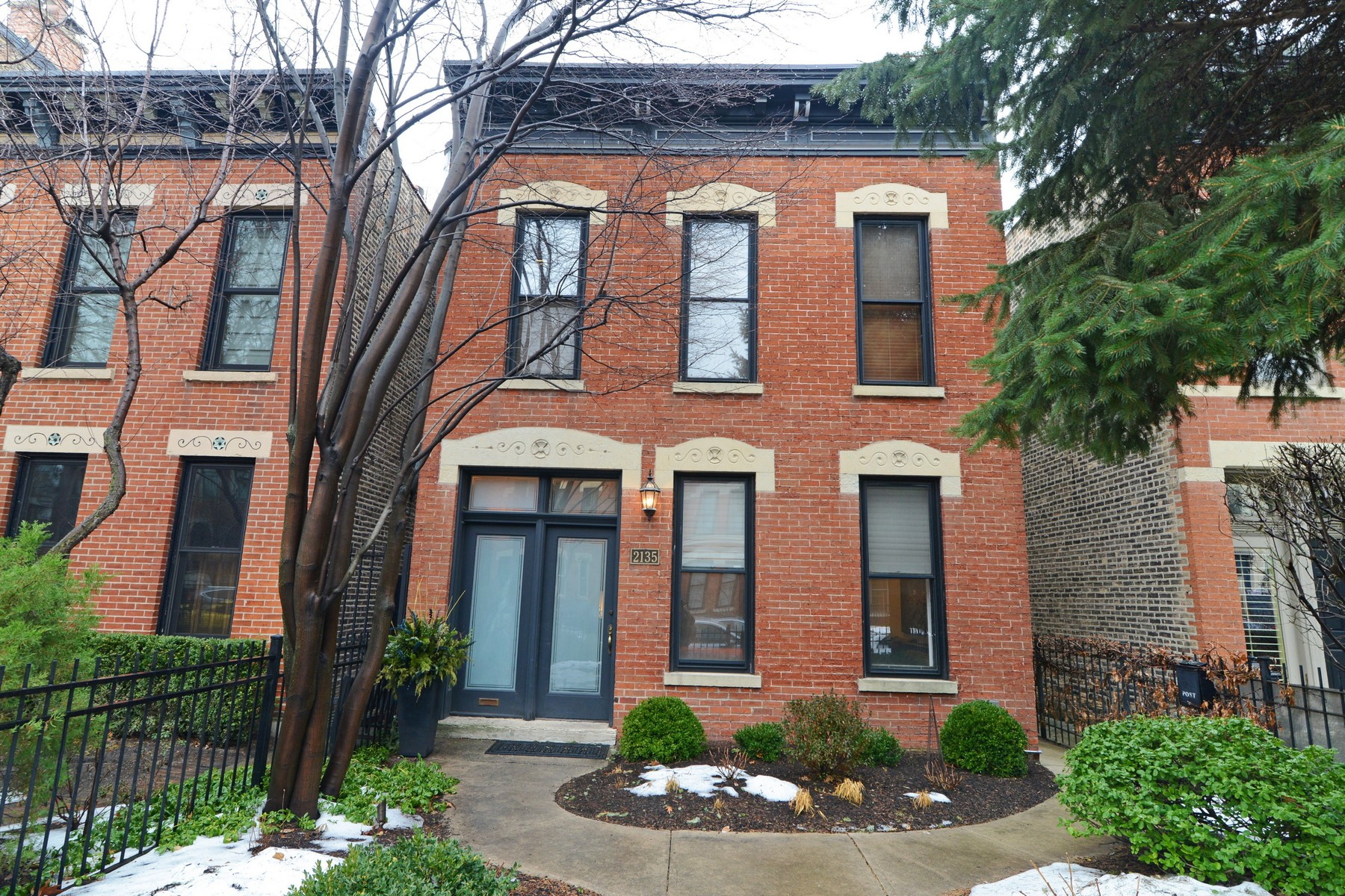 Casa Unifamiliar por un Venta en Fabulous and Sunny Single Family Home 2135 N Clifton Avenue Lincoln Park, Chicago, Illinois 60614 Estados Unidos